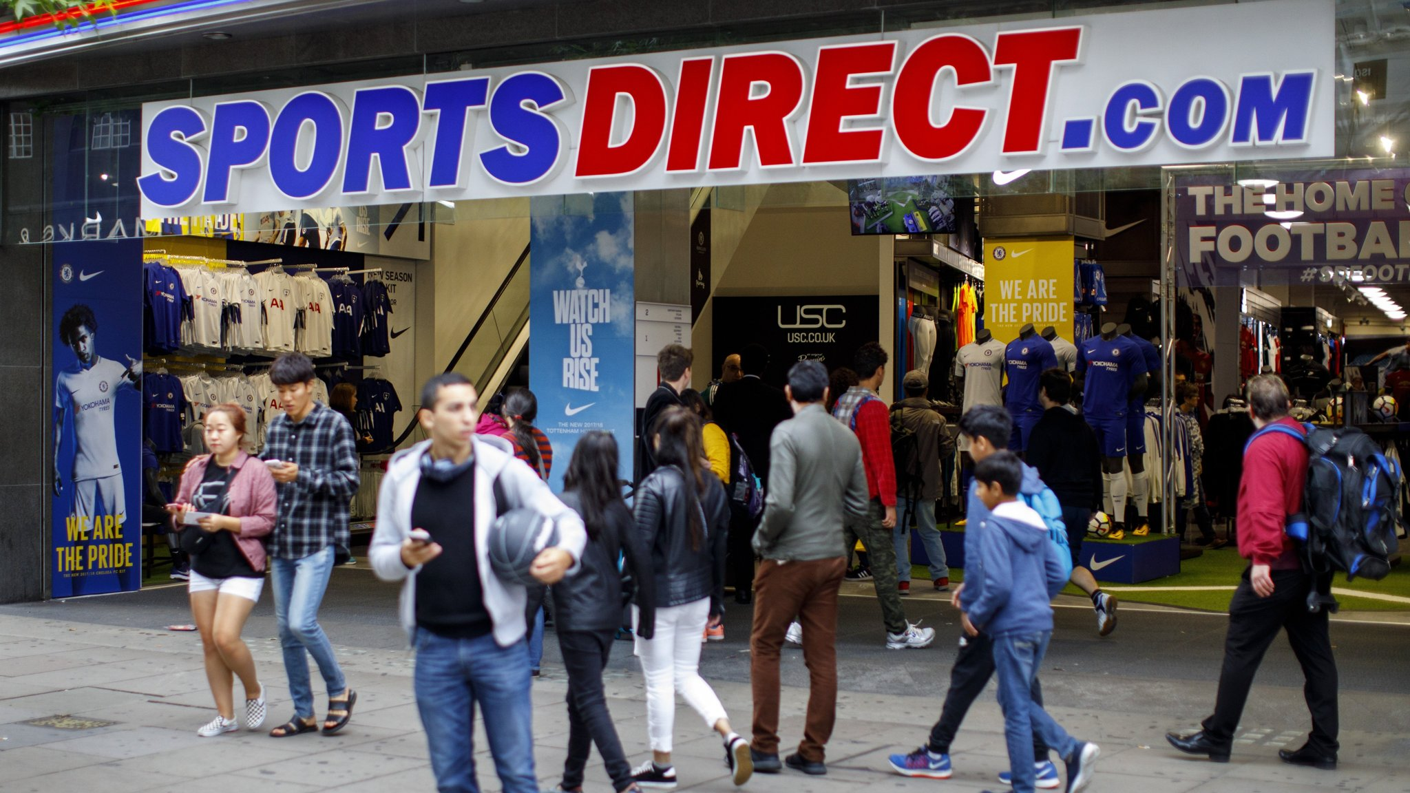 Sports Direct in government talks over auditor trouble