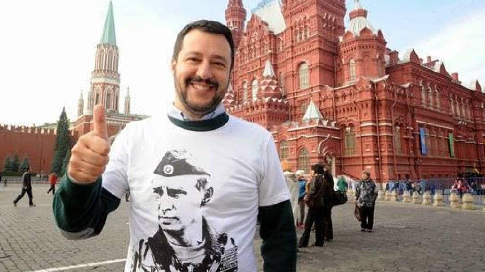 Resultado de imagen para salvini con remera de Putin