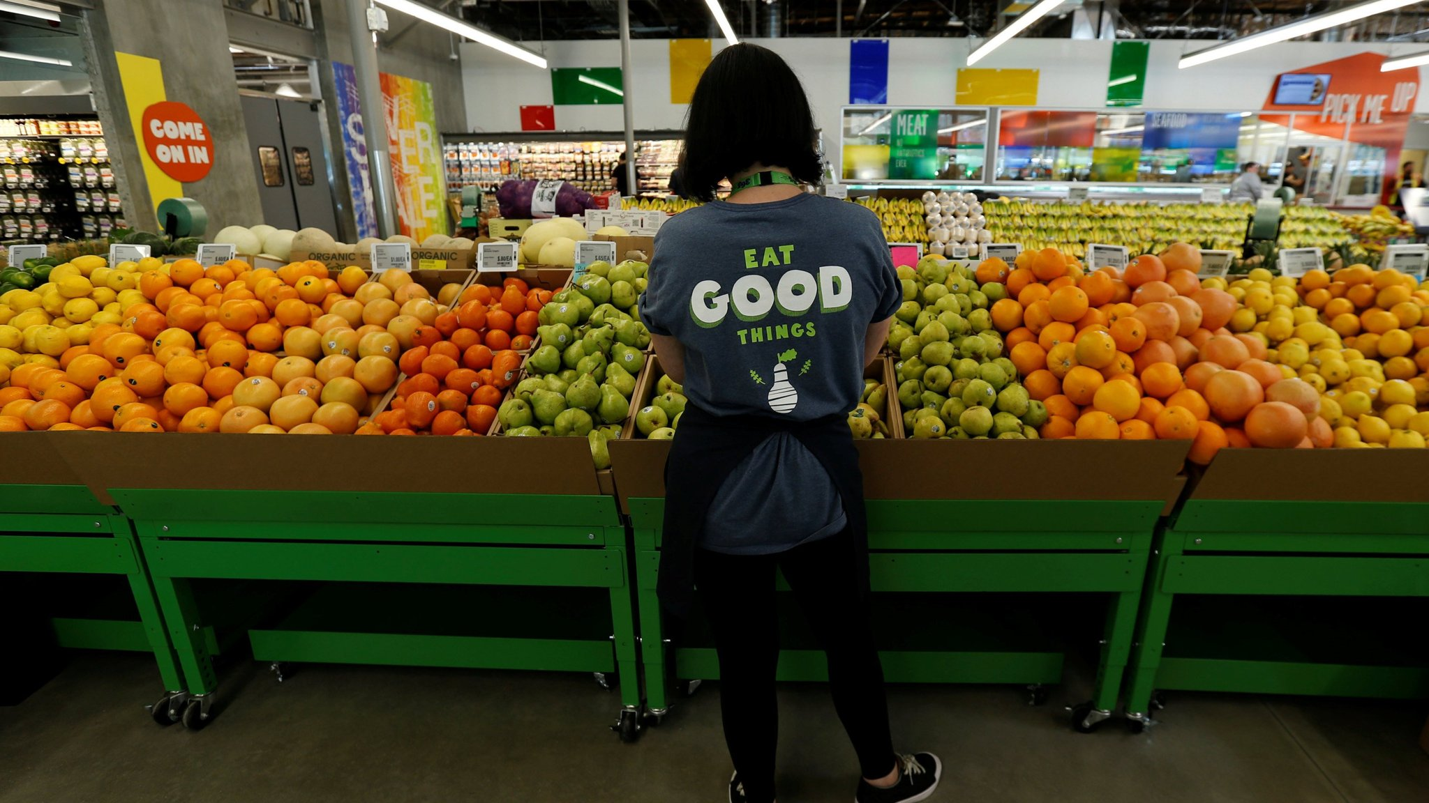 Albertsons Explores Bid For High End Grocer Whole Foods Financial Times