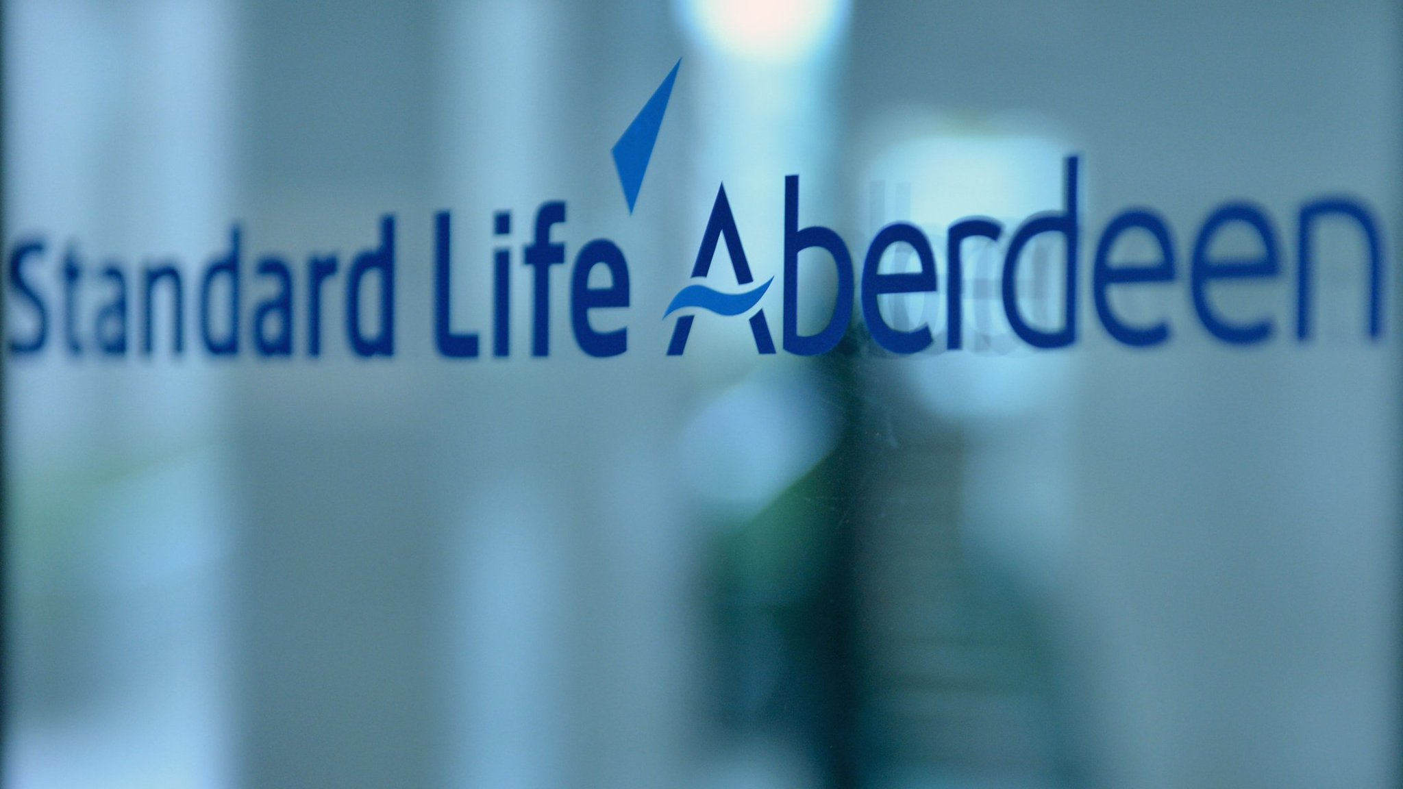Standard Life Aberdeen fights Lloyds to keep its biggest contract