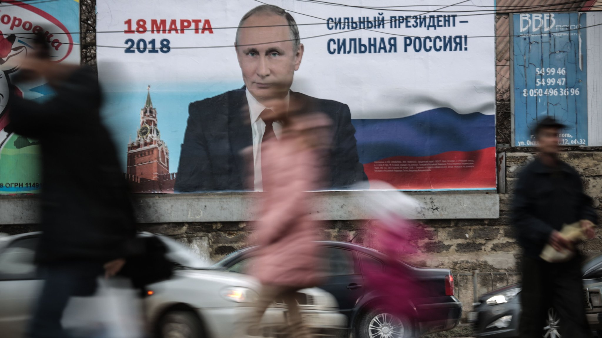 Putin opponents face dilemma over call to boycott election