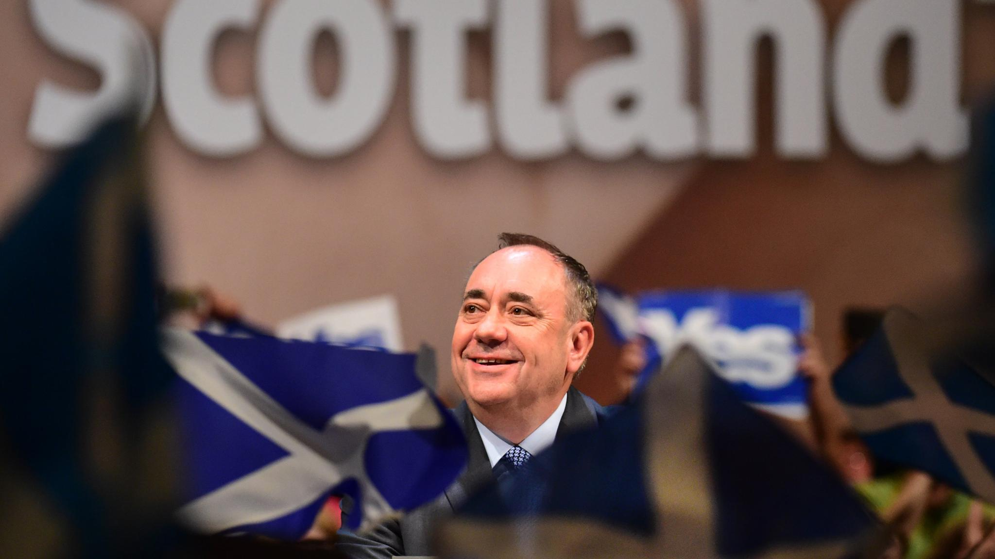 Salmond rallies supporters for 'exciting day' on eve of poll