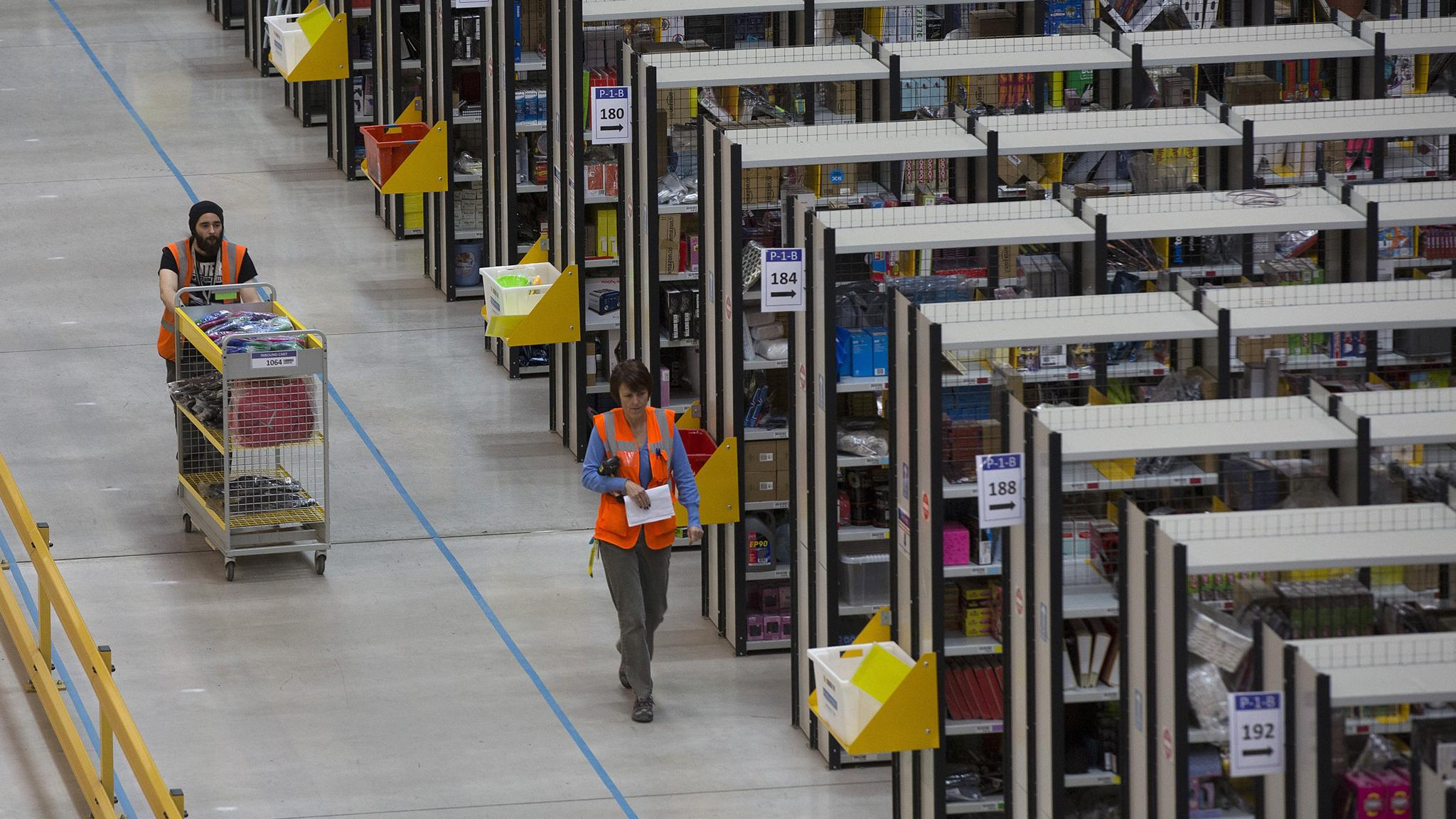 Amazon sets its sights on MBA students | Financial Times