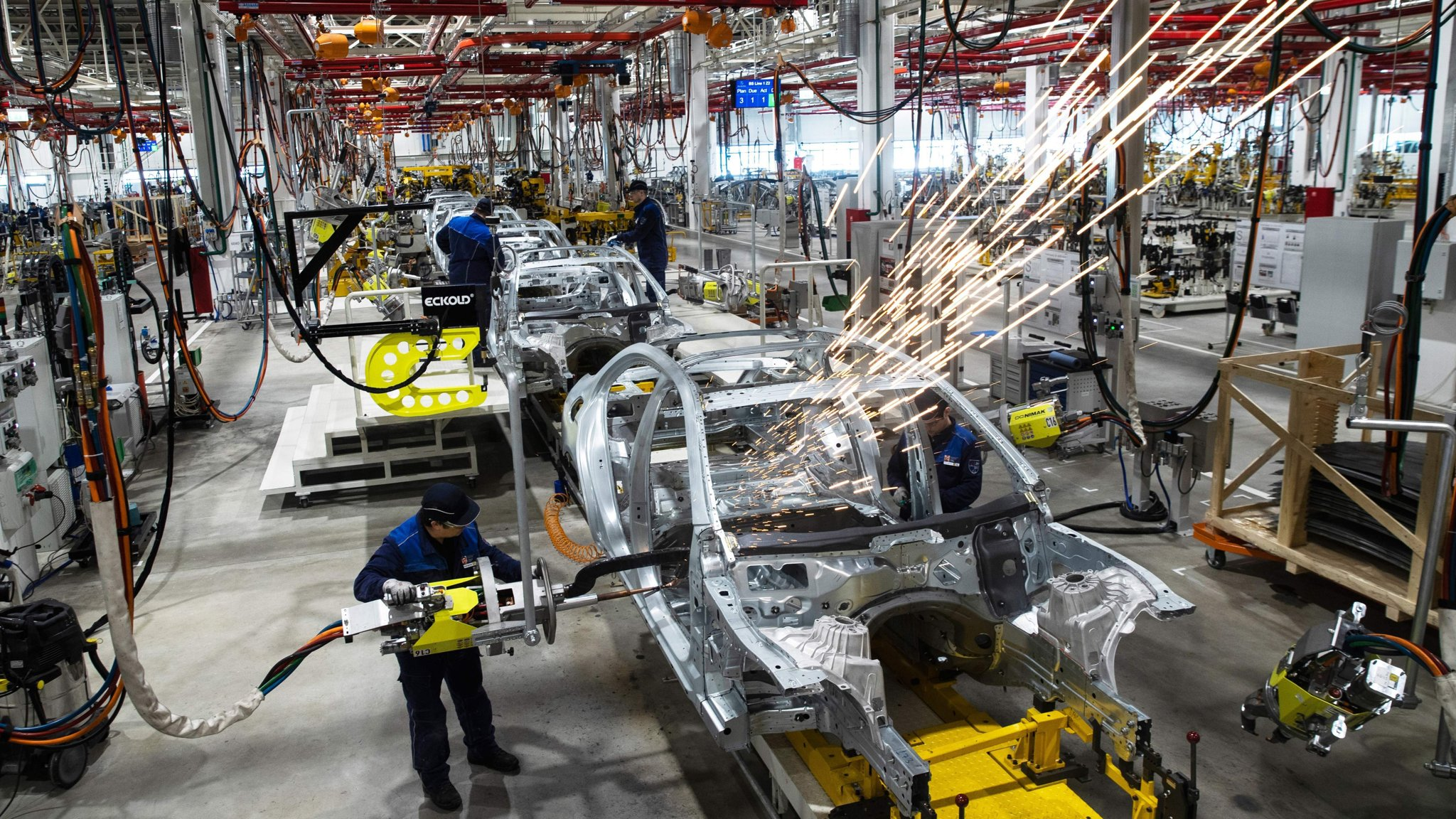 Decline of motor industry drives global economic slowdown   Financial Times