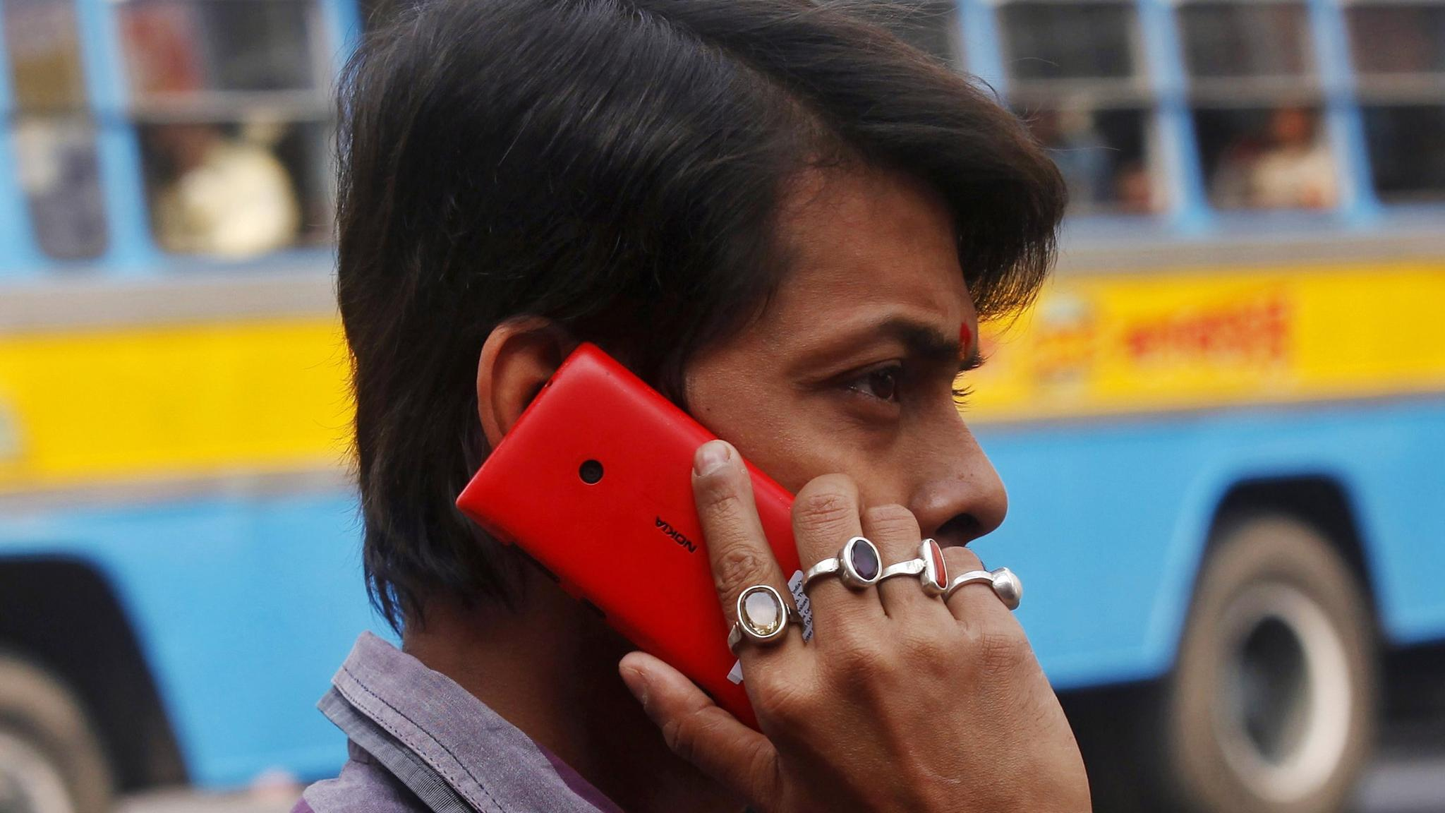 Mobile group Bharti Airtel to apply for limited banking licence