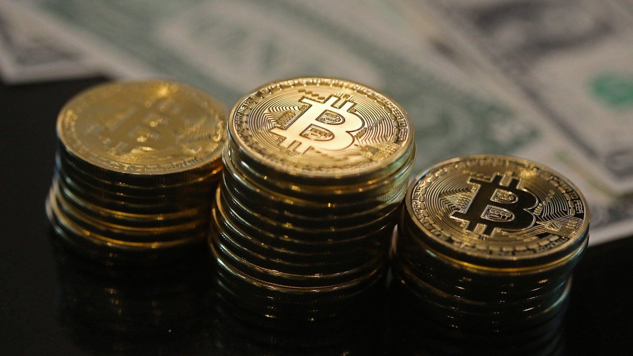 US regulator gives green light for bitcoin futures trading