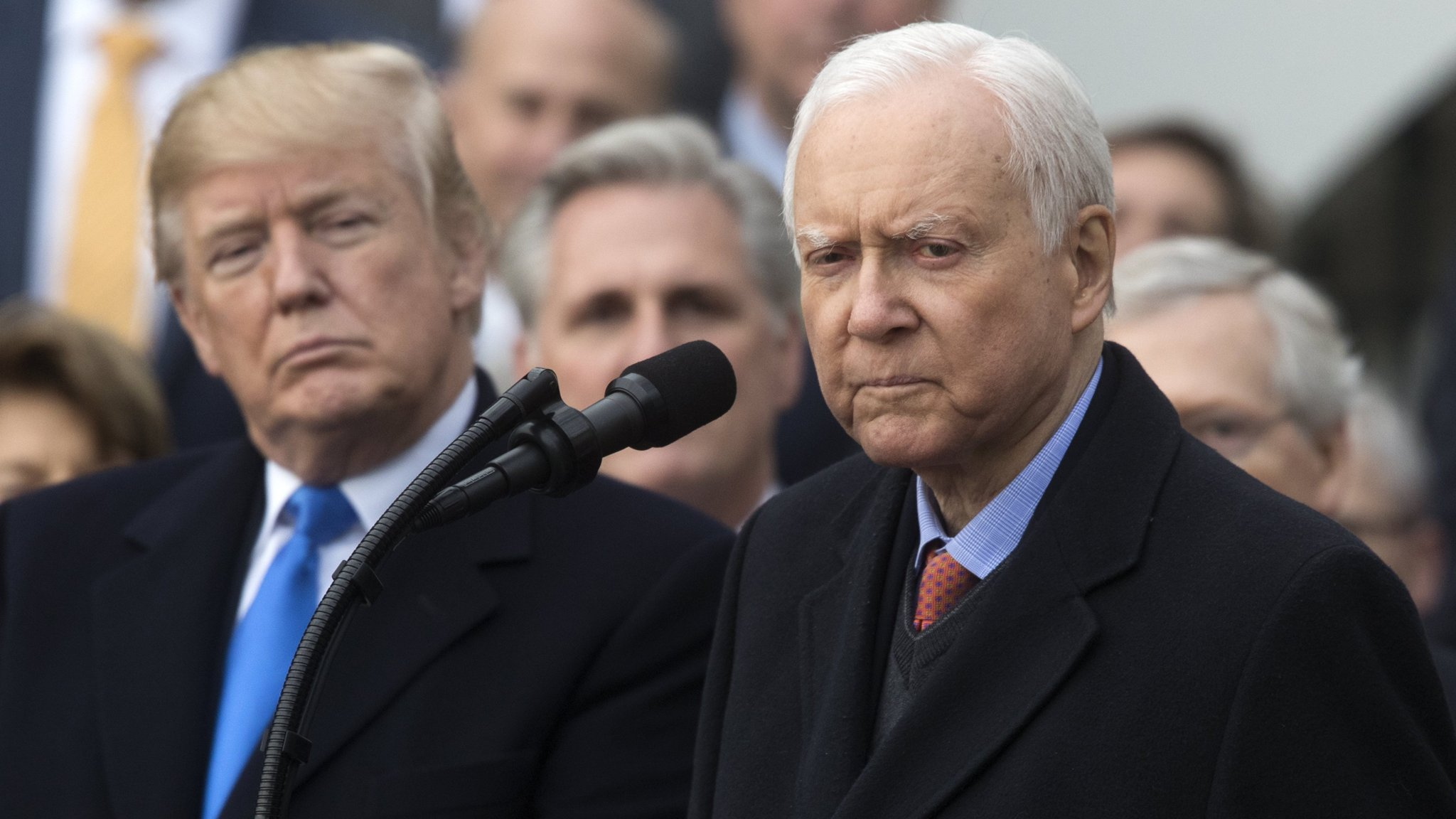 Hatch retirement opens way for Romney to run for Senate