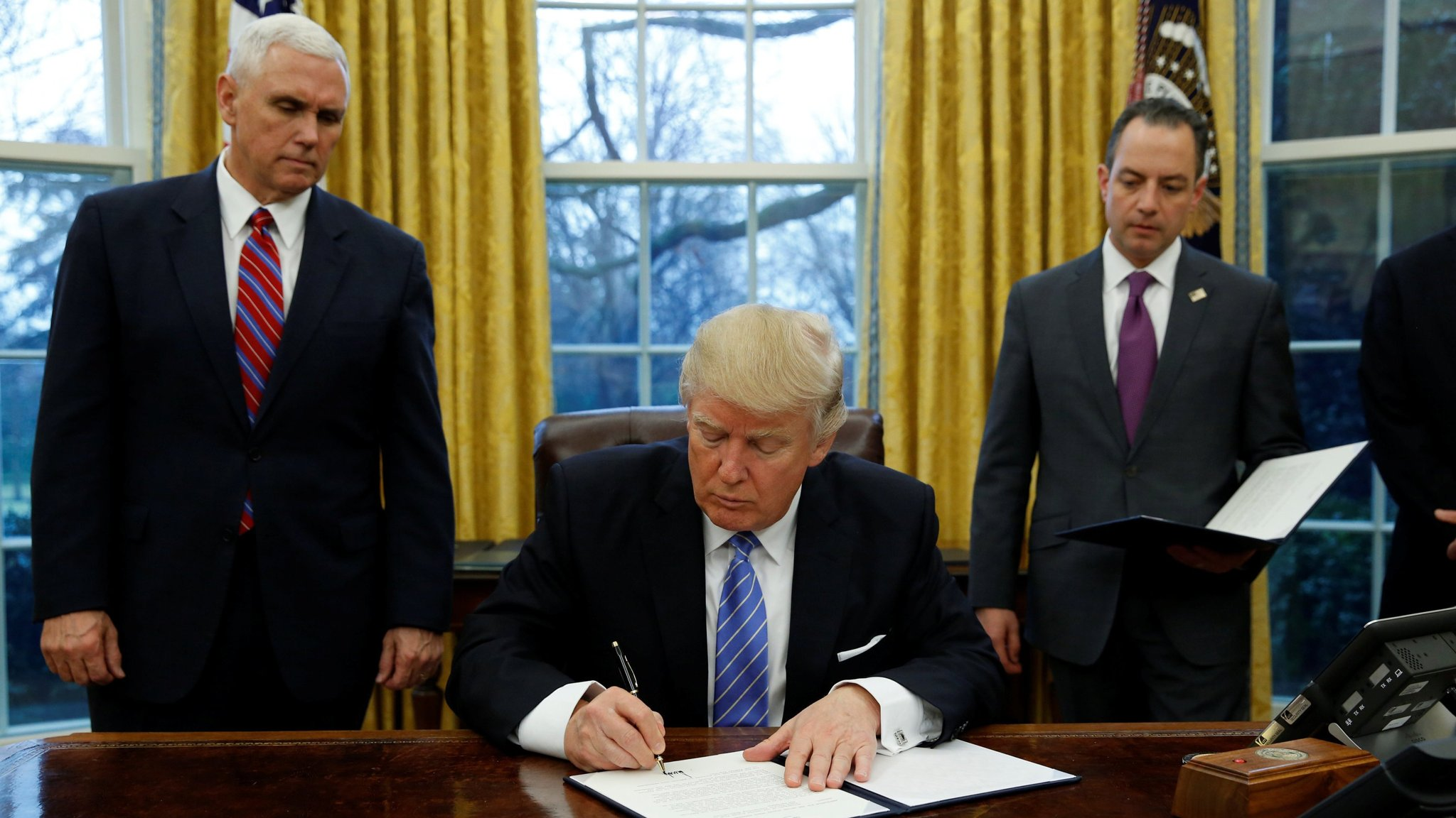 Trump Pulls Us Out Of Pacific Trade Pact Financial Times