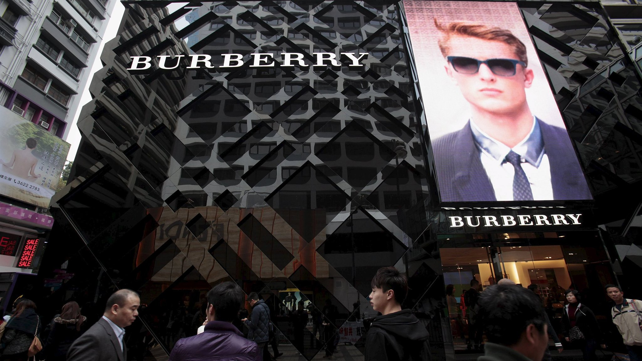 stores that sell burberry