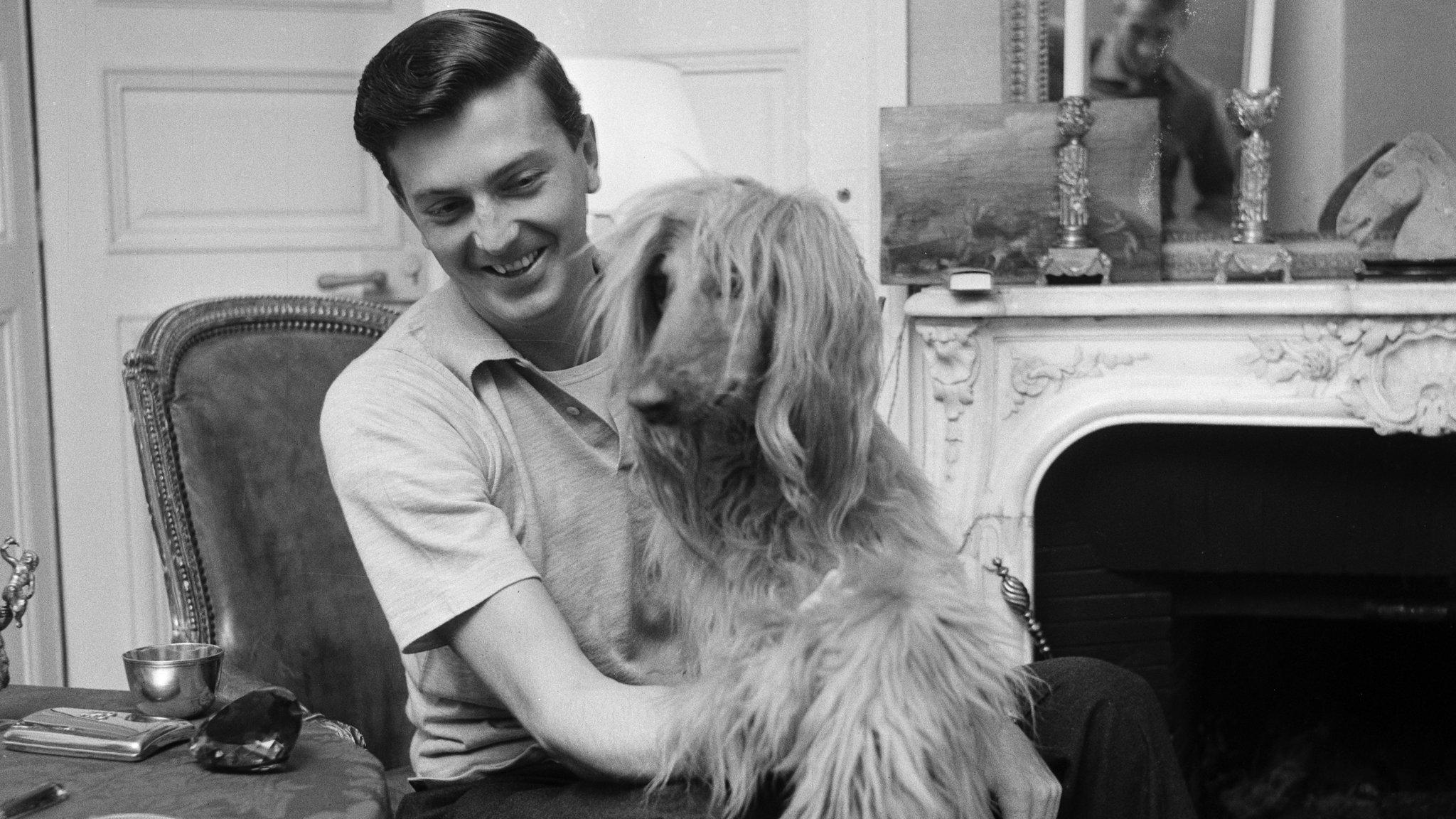 Hubert De Givenchy Fashion Designer 1927 2018 Financial Times