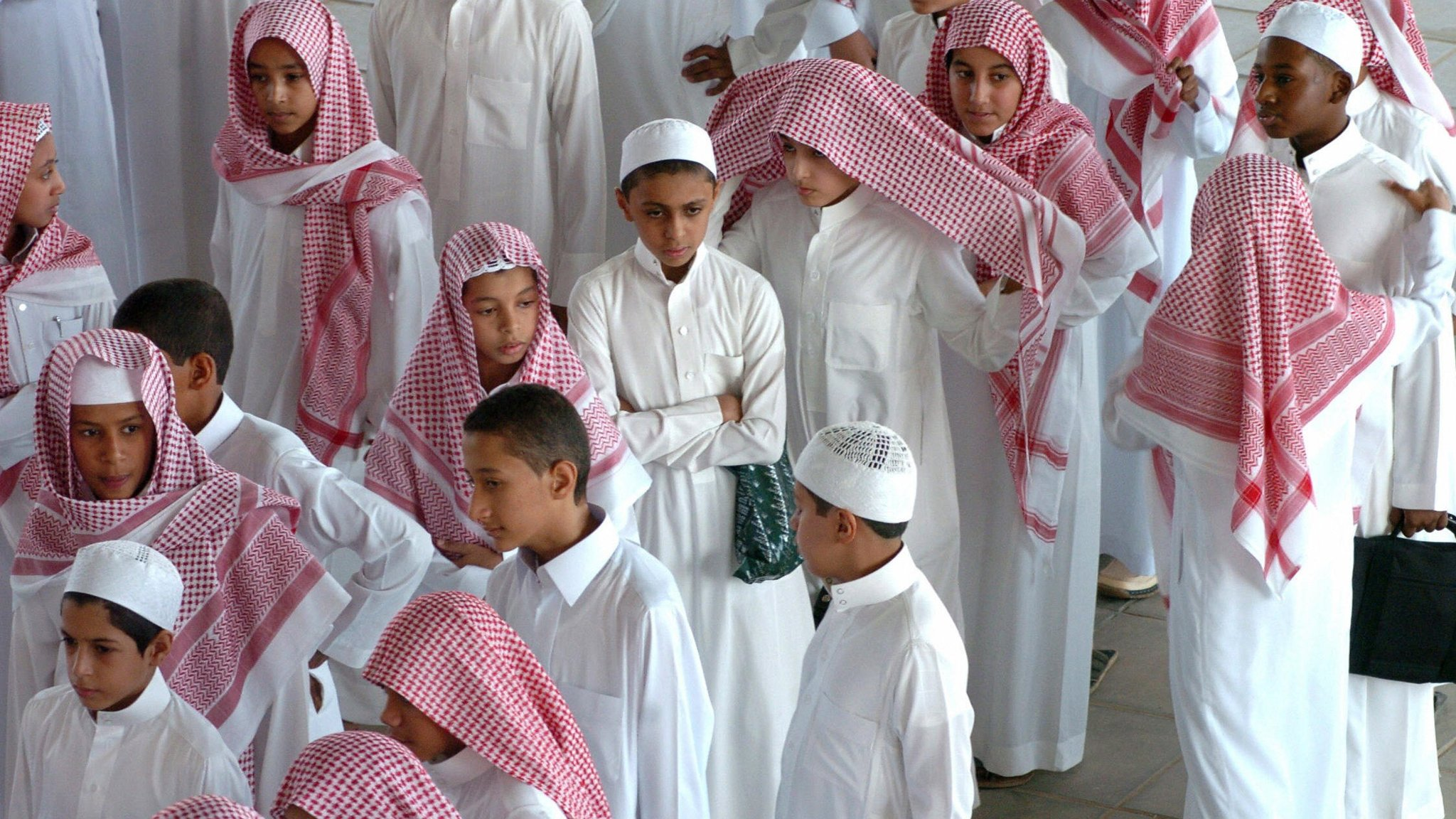 Saudi Arabia struggles to check extremism in schools