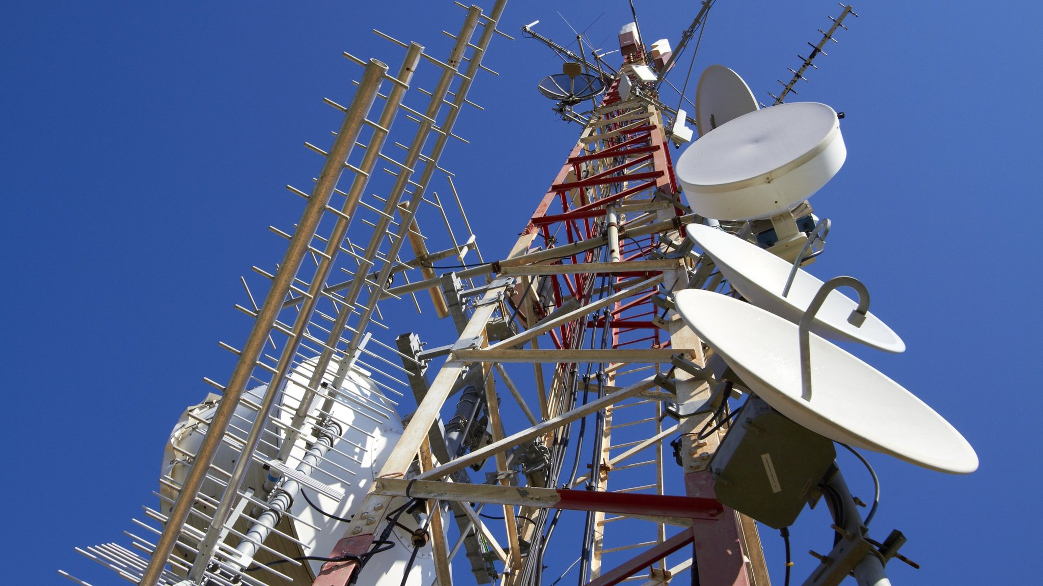 European telecoms towers find their range | Financial Times