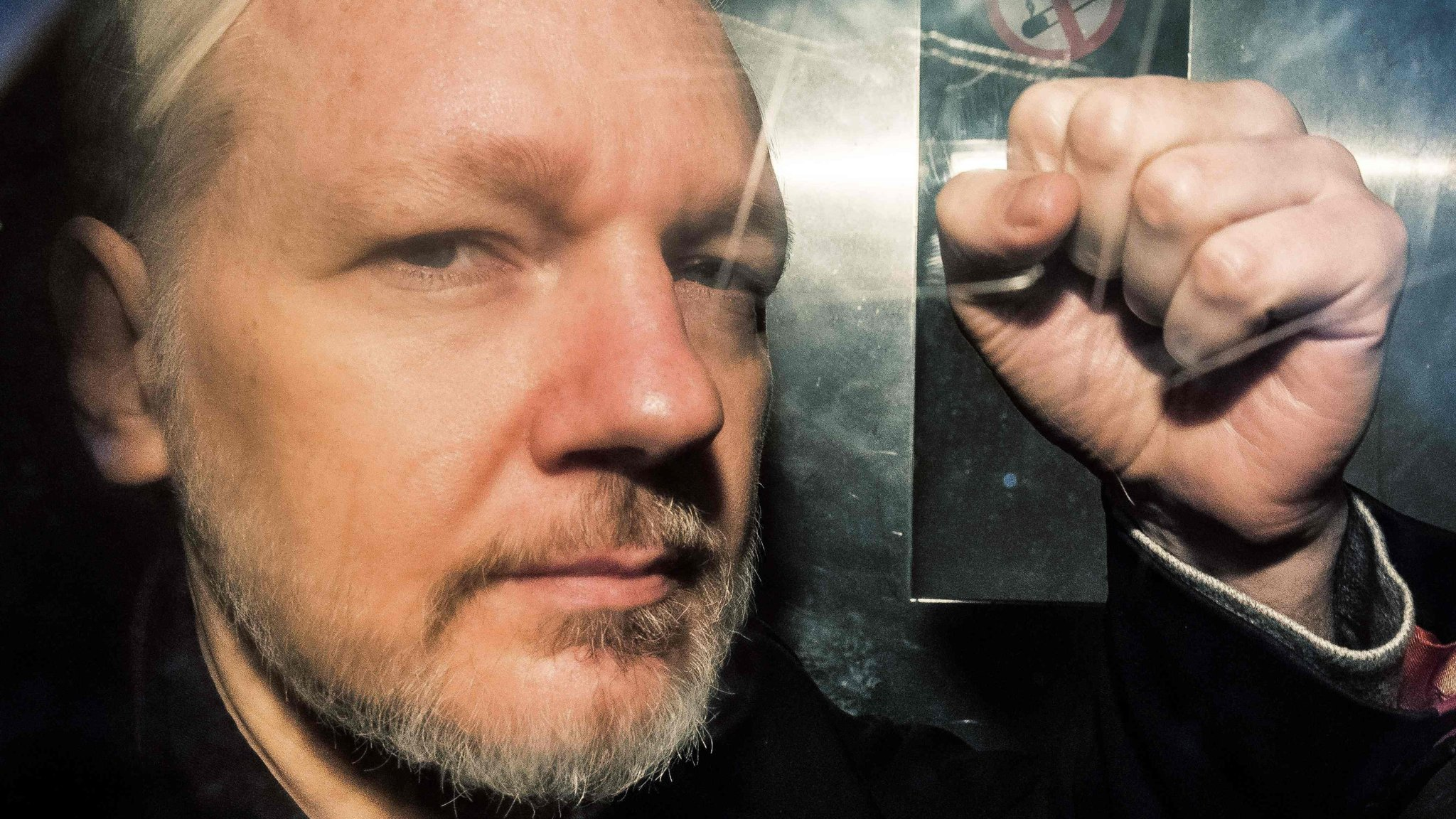UK home secretary signs Julian Assange extradition warrant