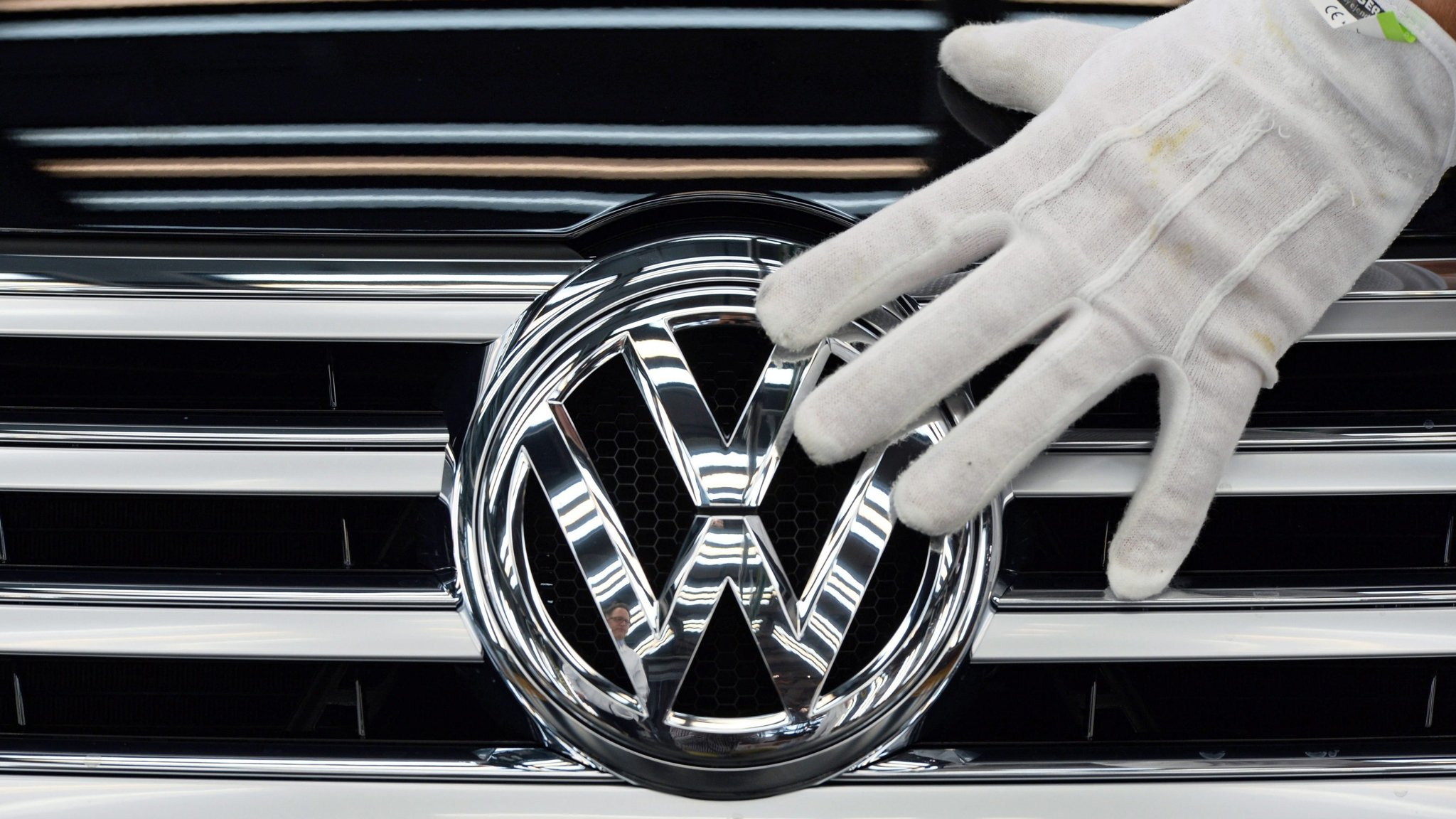 Governance remains scandal-hit VW's Achilles heel