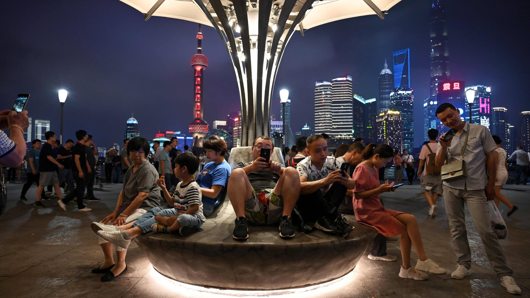 The Shanghai Free Taxi: Journeys with the Hustlers and