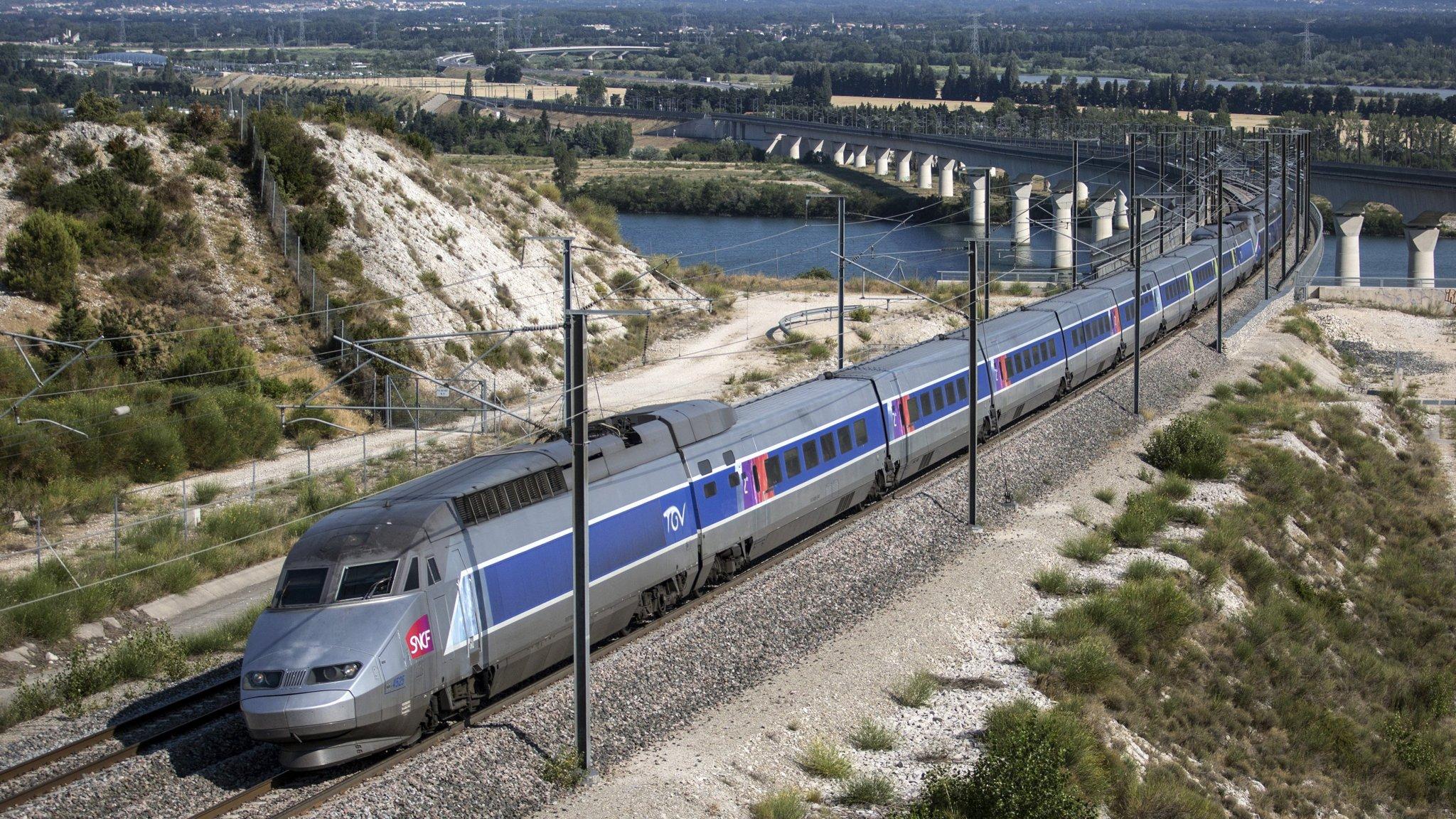 EU warns Siemens-Alstom deal 'could harm millions' of