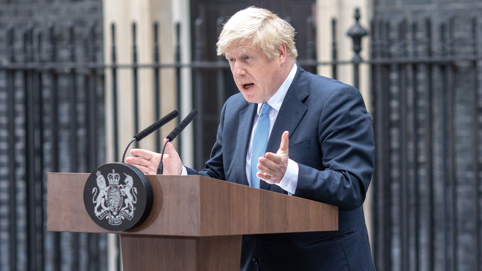 Boris Johnson threatens to call October 14 general election