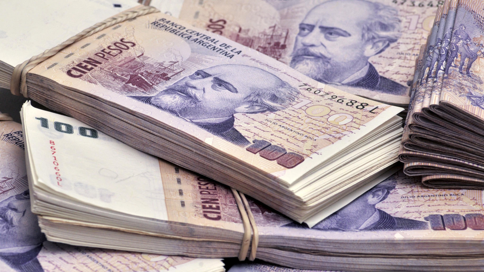 Buenos Aires bonds slide as payment stand-off deepens
