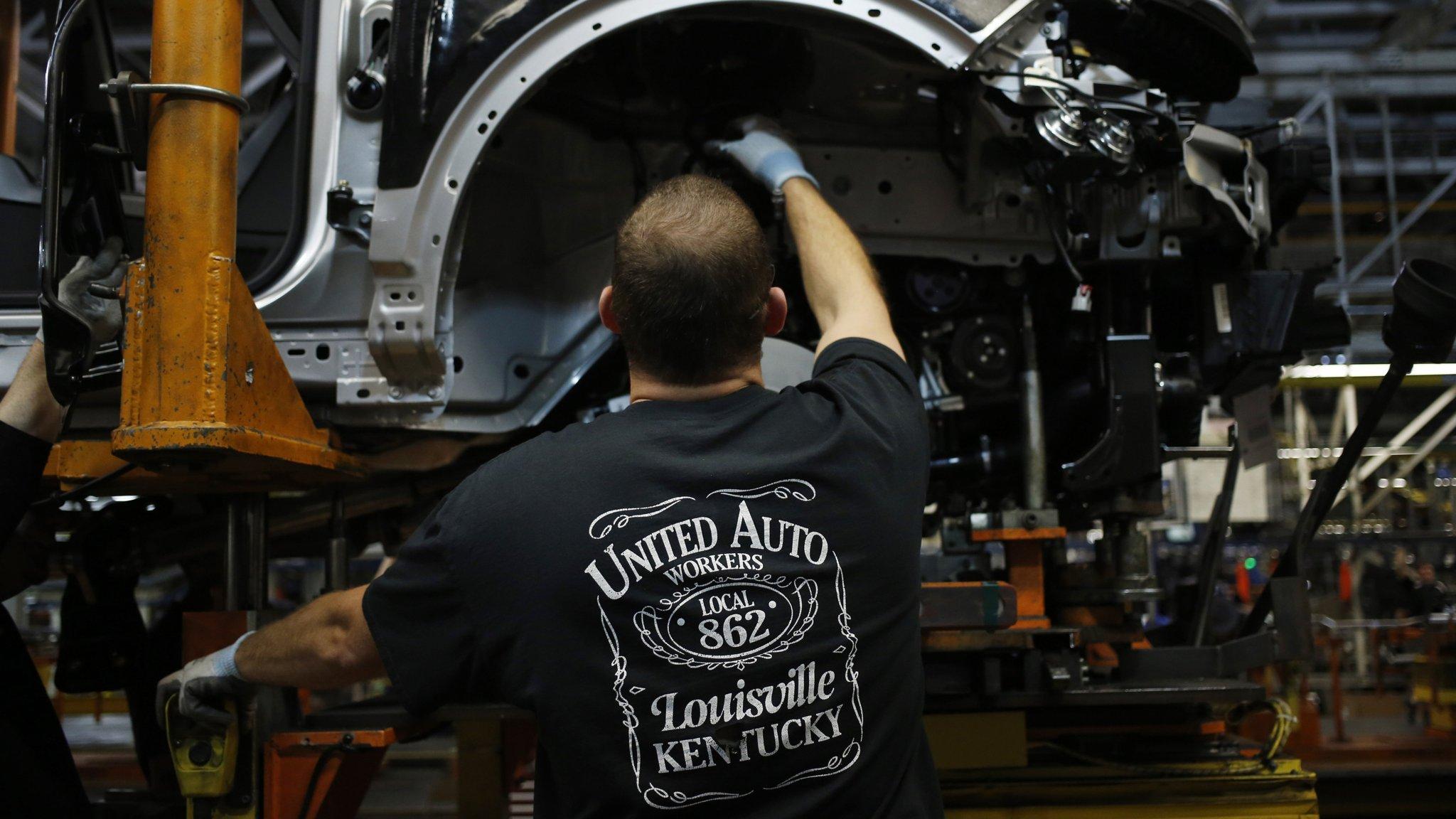 Shale glut turbocharges America's motoring revival