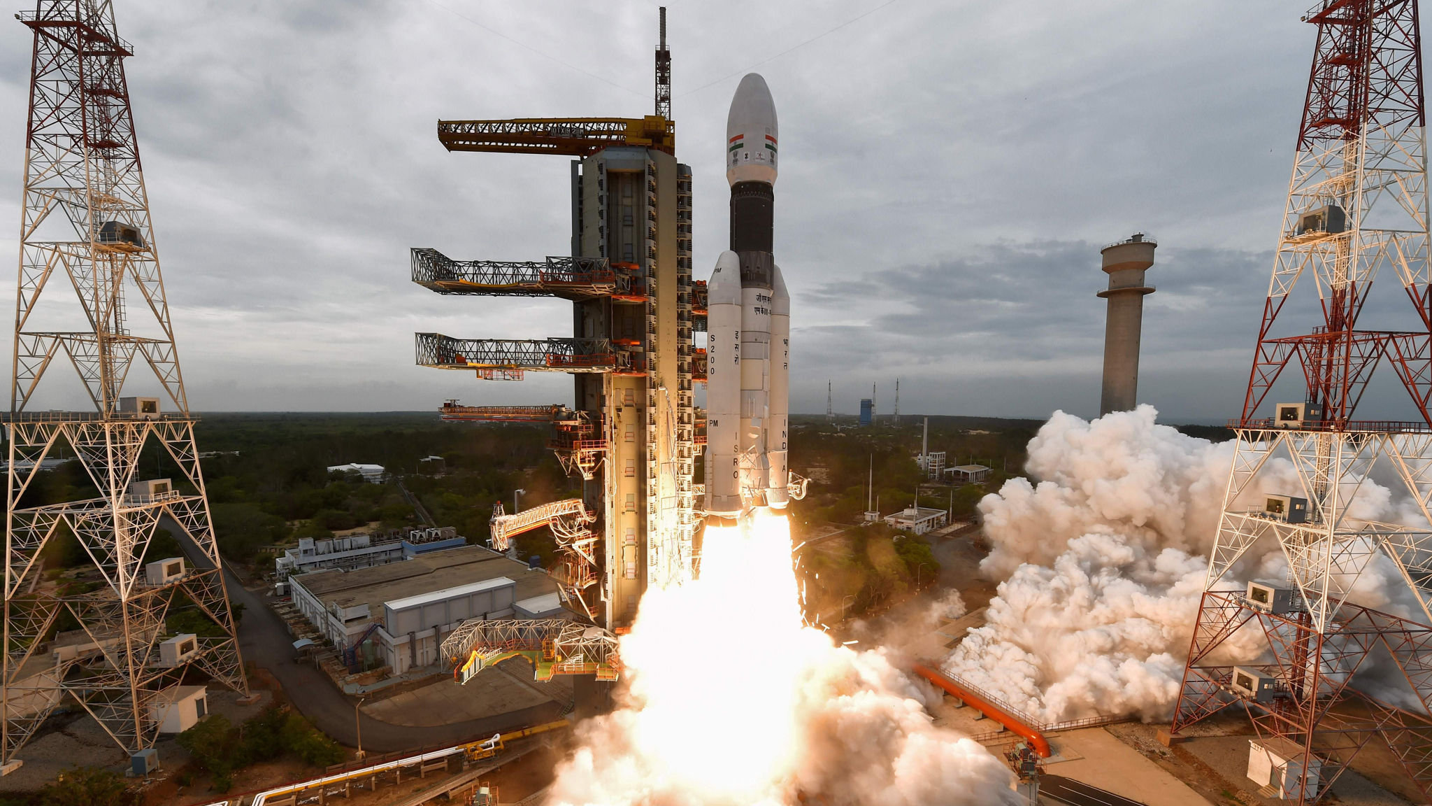 India's failed Moon shot highlights space race with China