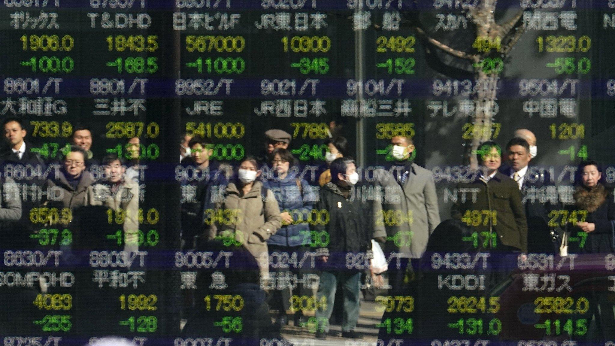 Private investors battle global stocks volatility