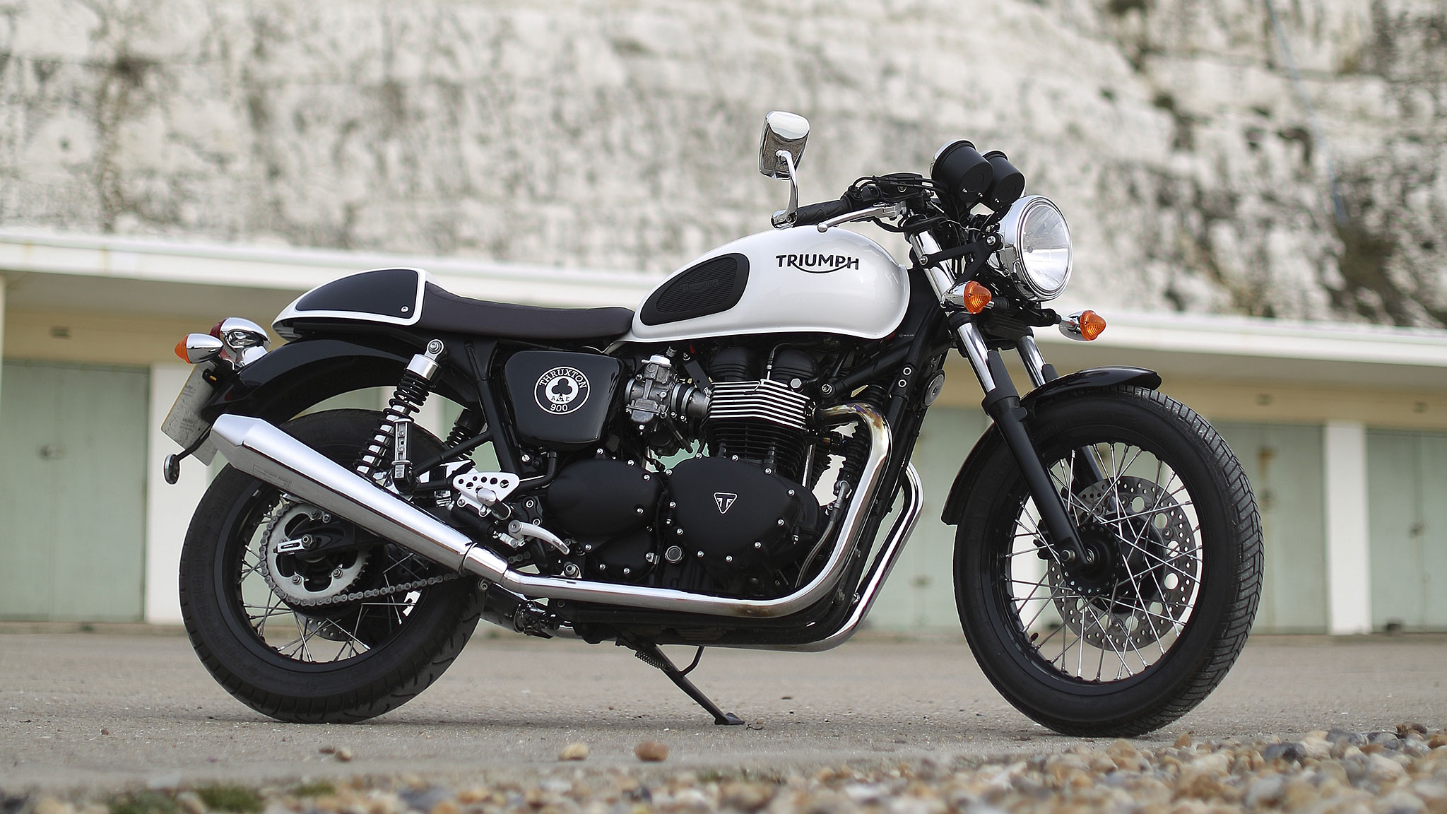 Spirit Of The Sixties Riding The Triumph Thruxton Ace Financial Times