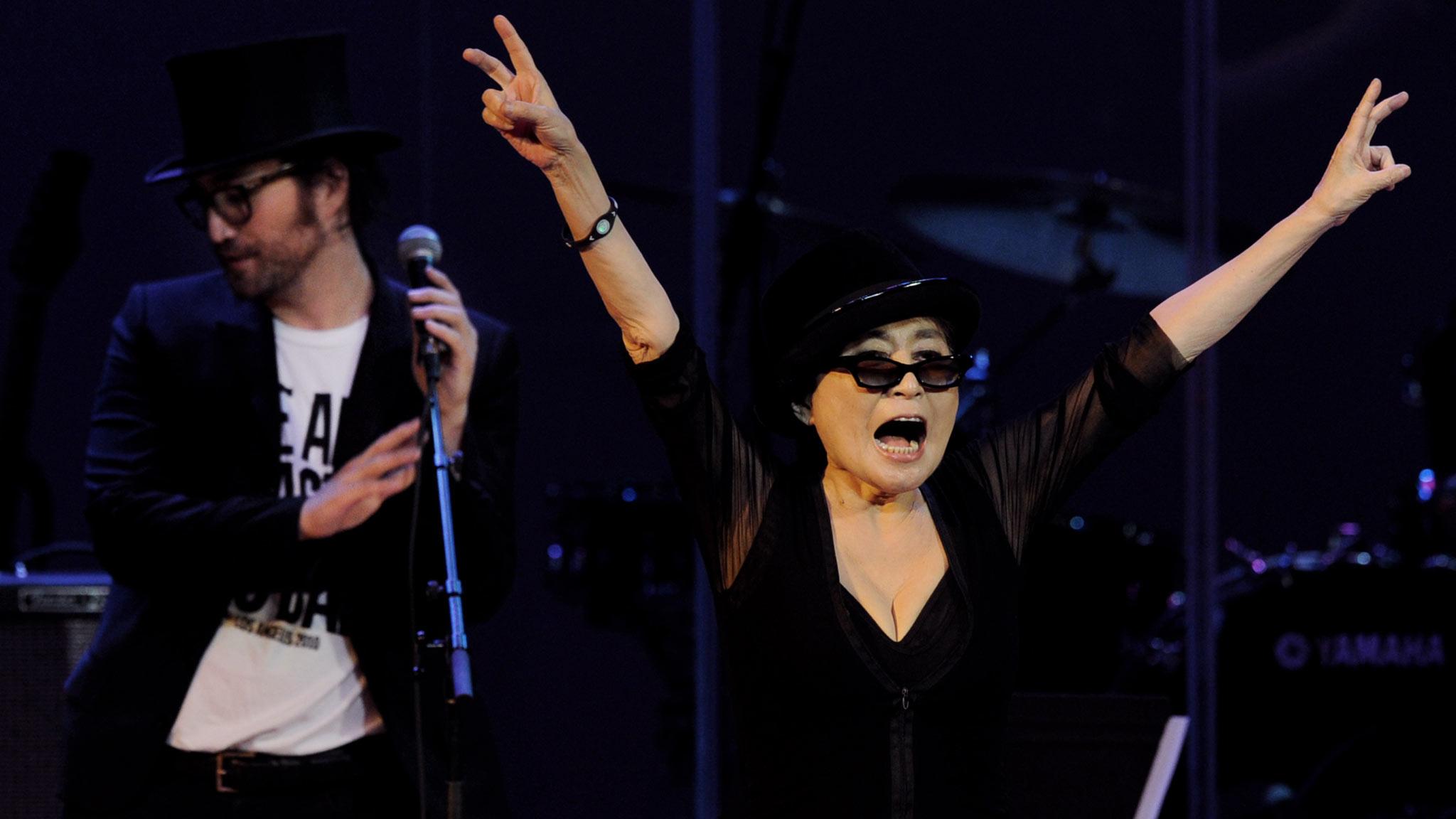 Yoko Ono Plastic Ono B...