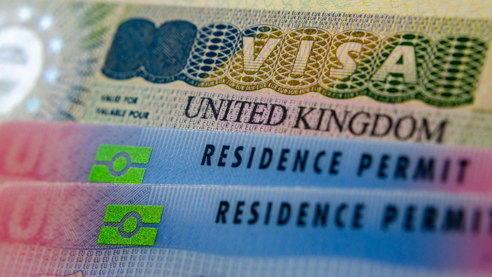 Universities urged to pay UK immigration fees for staff