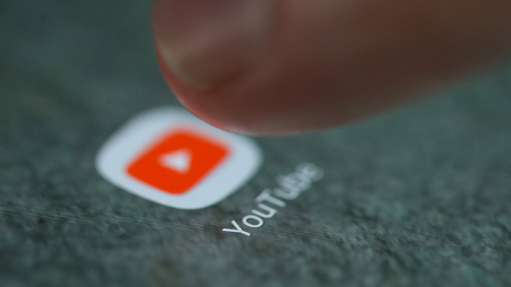 Big advertisers withdraw from YouTube over video scandal
