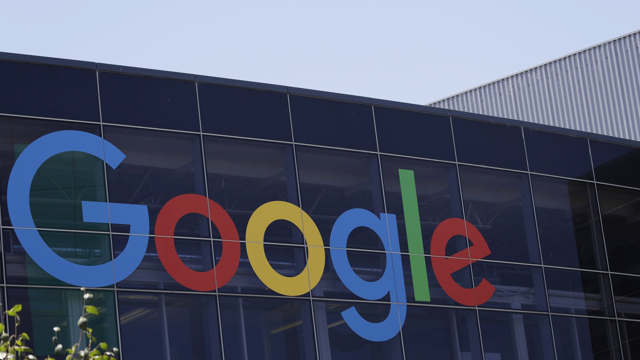 Alphabet shares fall as Google payments rise