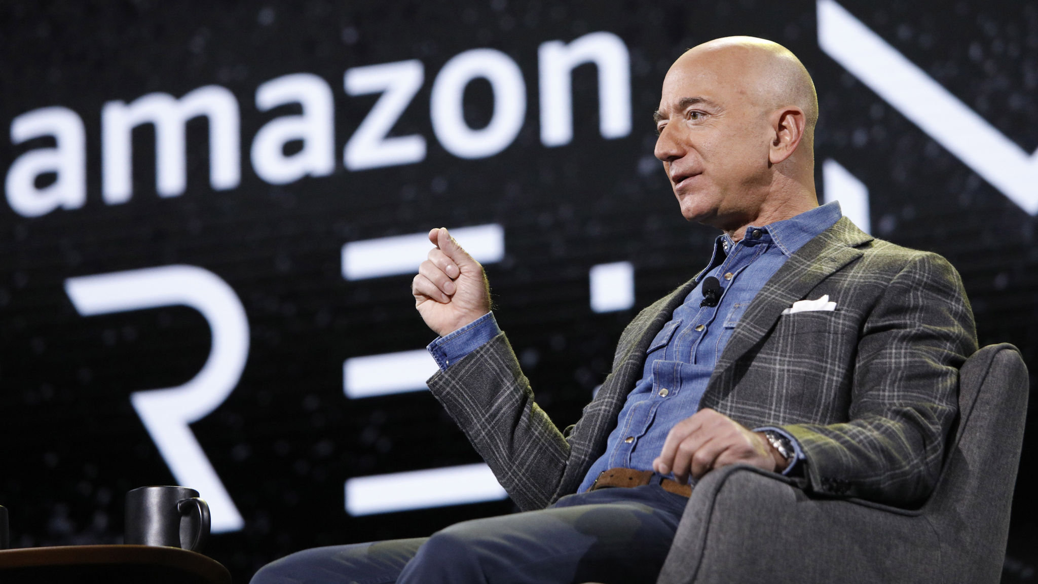 Jeff Bezos sells $3.5bn of Amazon shares in a week | Financial Times