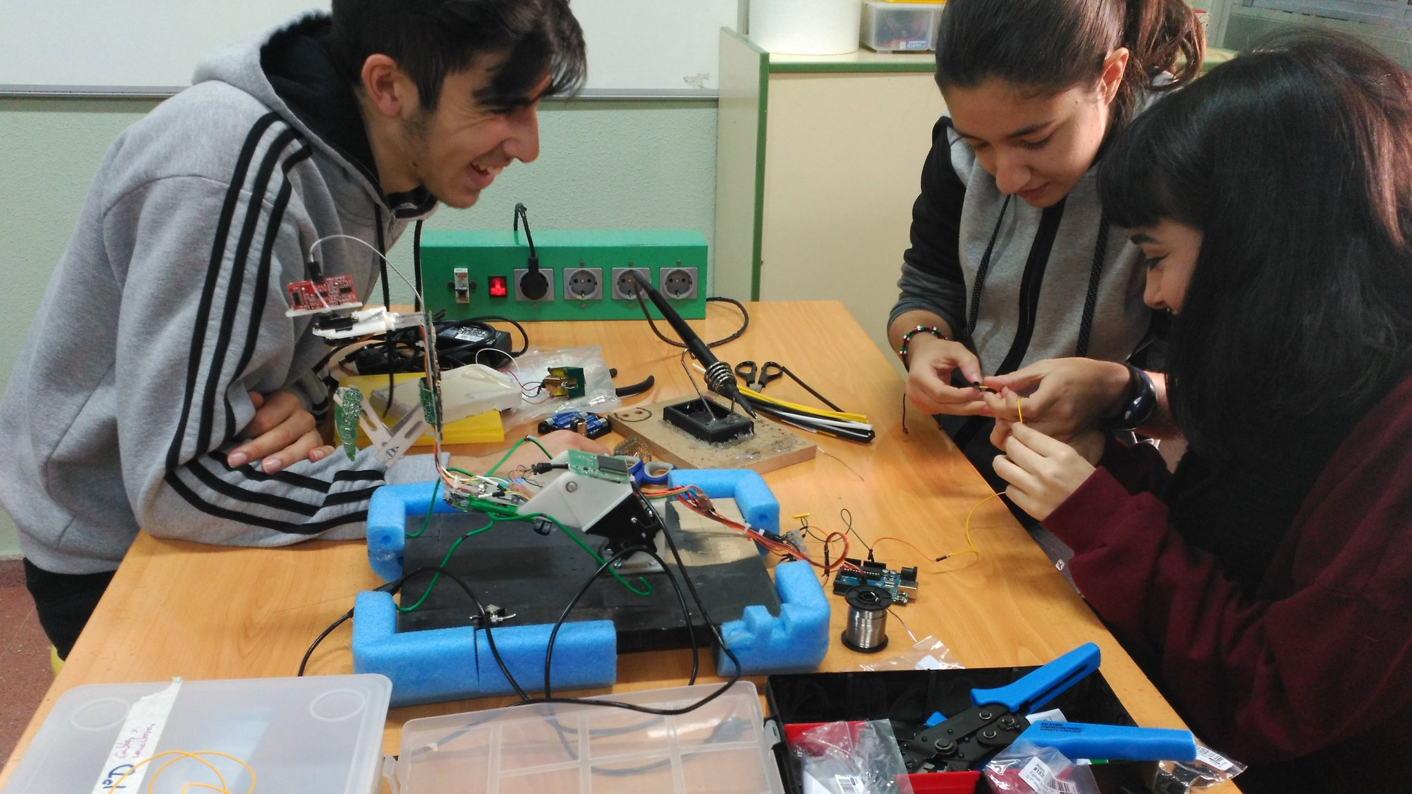 Spanish Schools Play Catch Up On High Tech Teaching Financial Times Electrical Wiring In