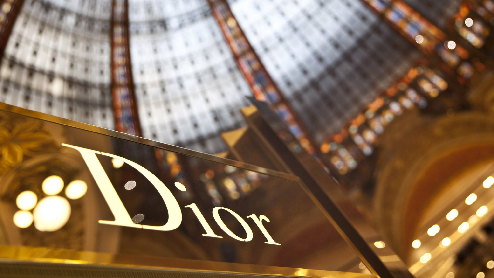 Arnault doubles down on LVMH with Dior buyout