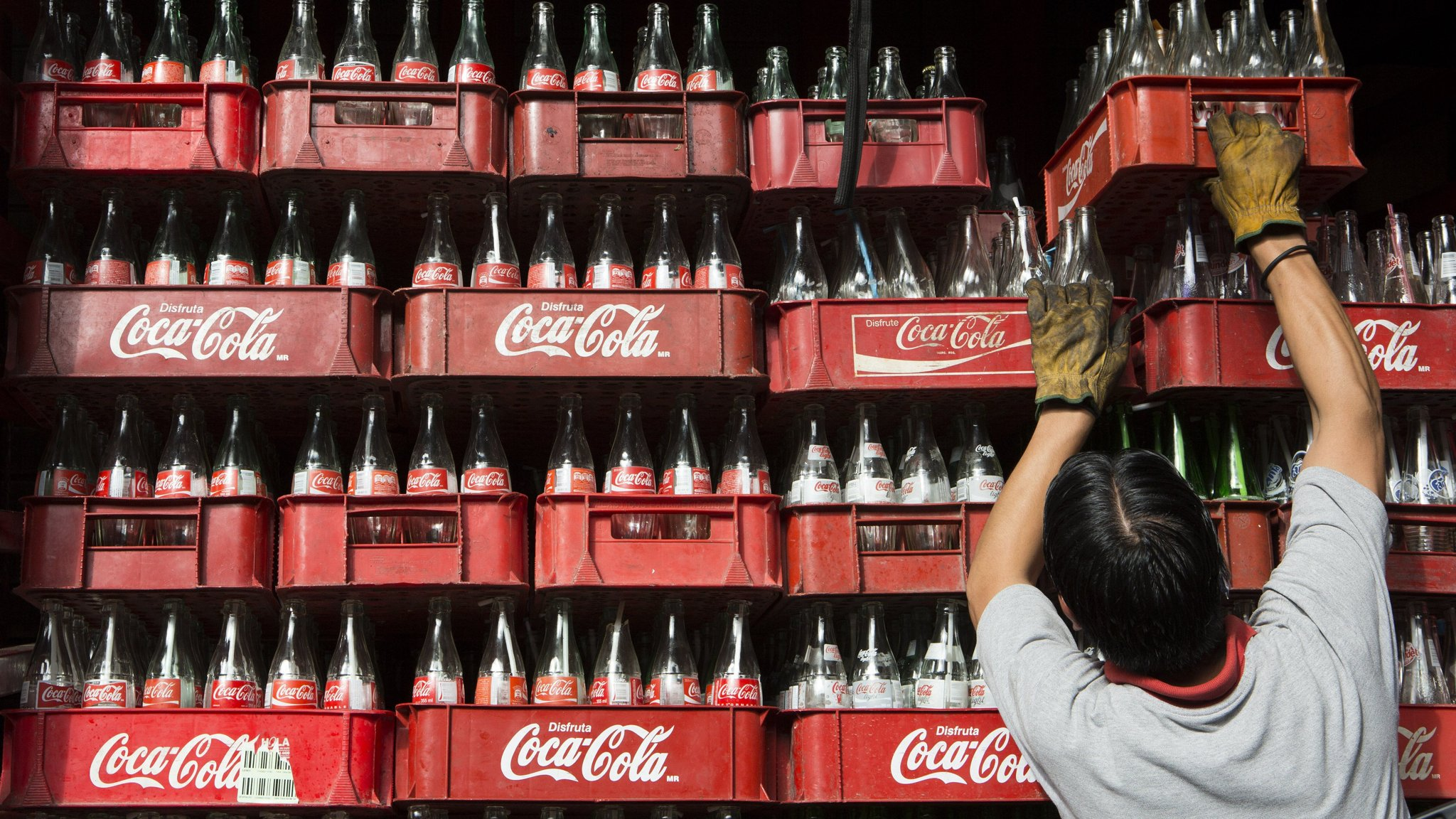 Coca-Cola warns on slowing sales growth | Financial Times