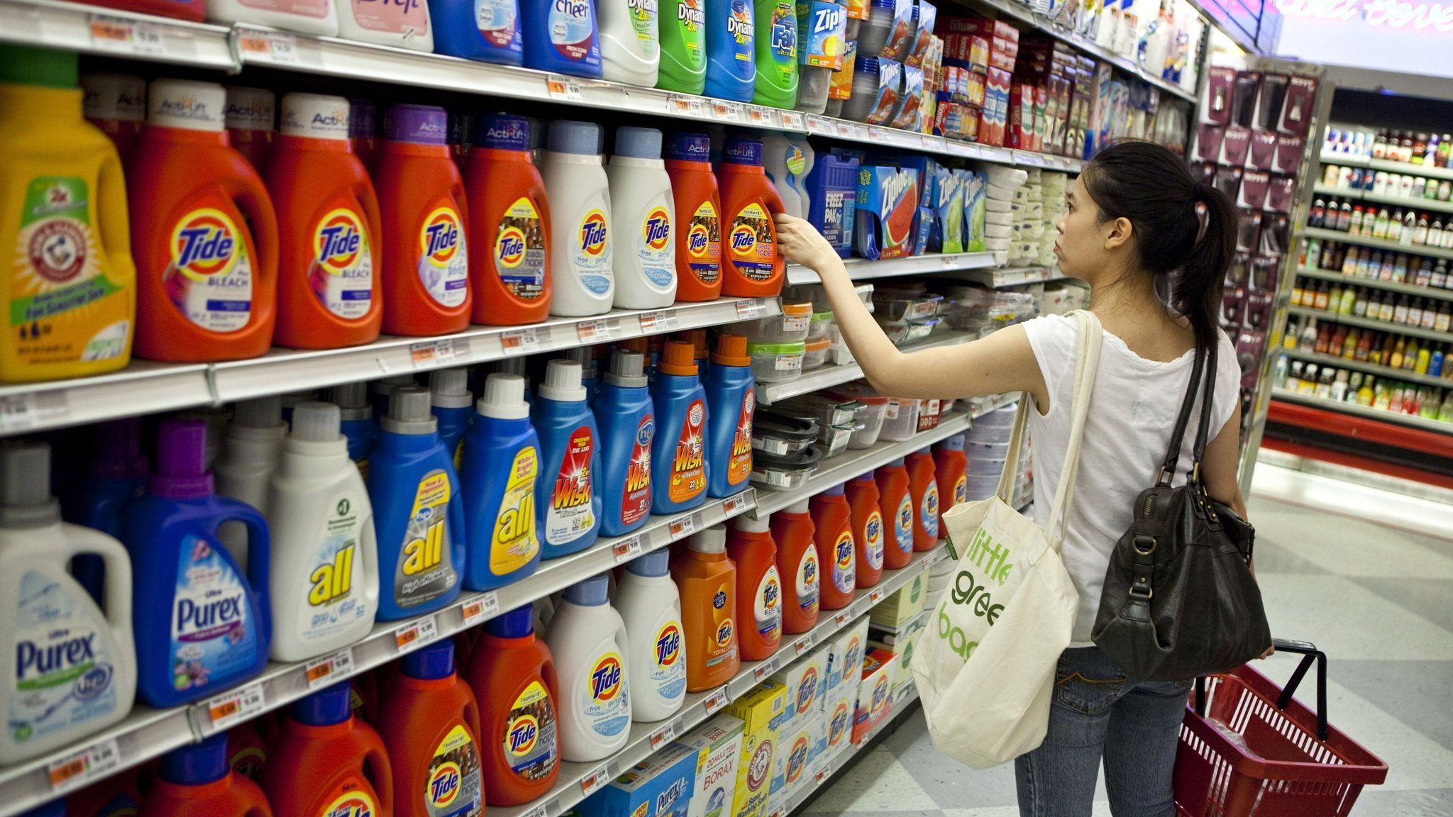 Big brands lose pricing power in battle for consumers