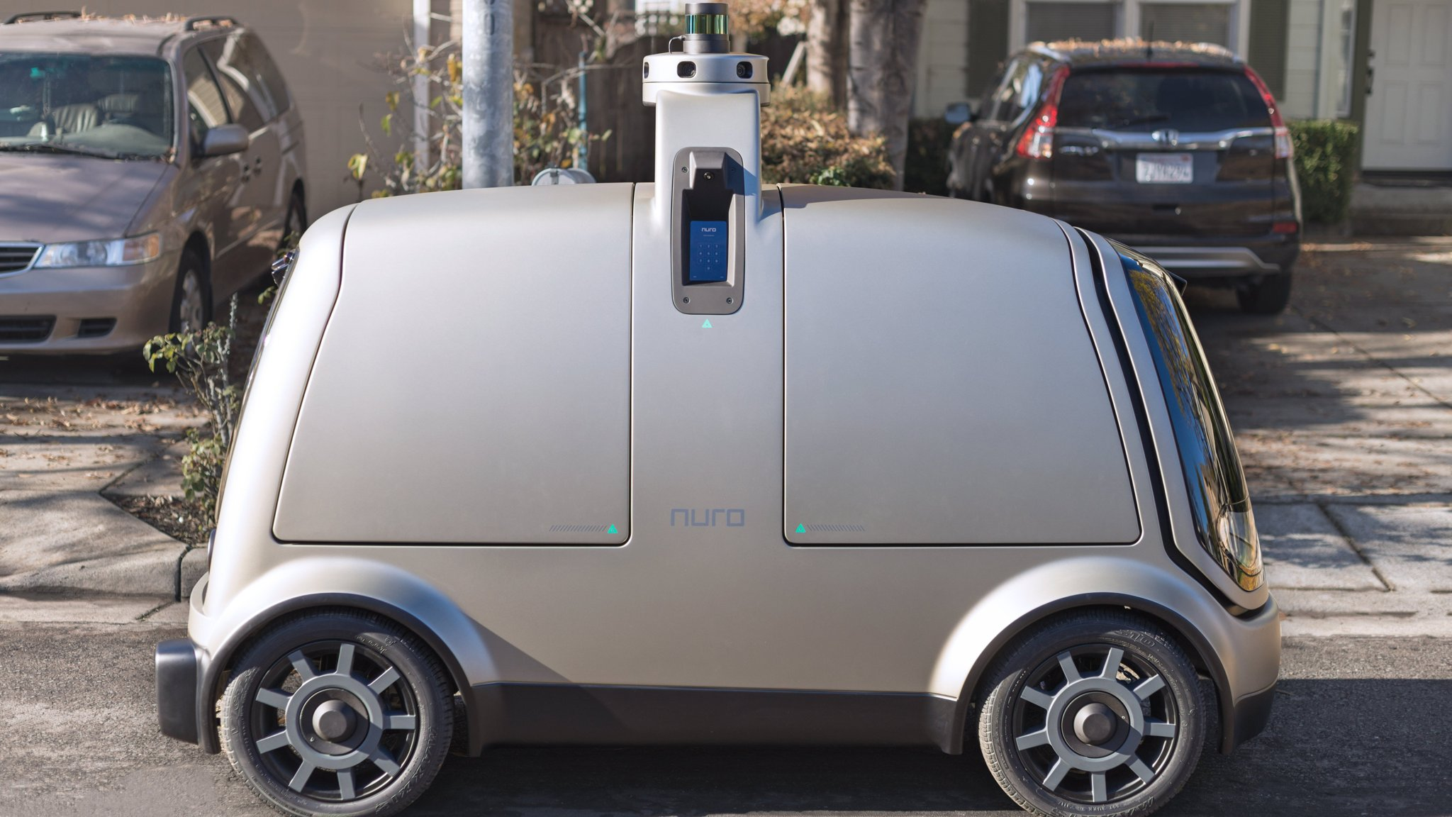 Silicon Valley start-ups race to win in driverless delivery market
