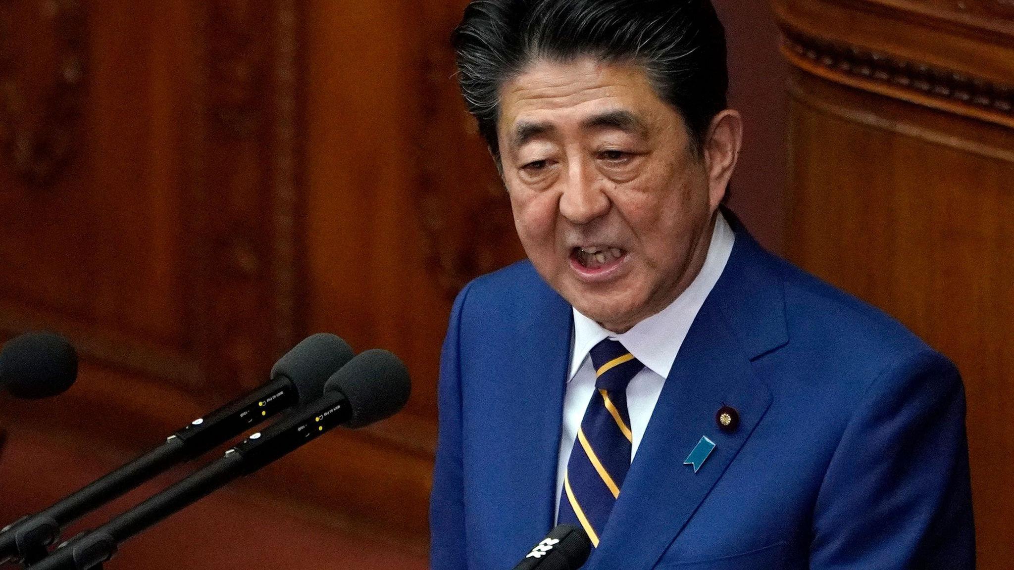 Shinzo Abe nominates dovish economist to Bank of Japan