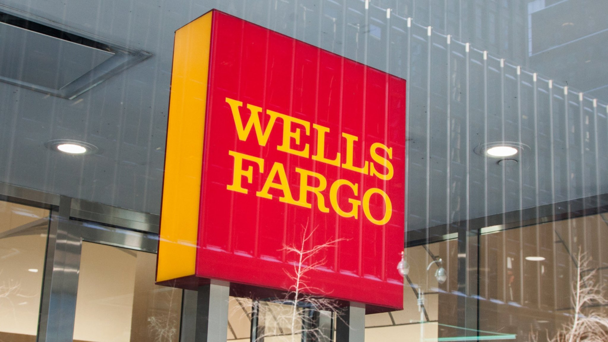 Wells Fargo to close 900 branches despite $3.4bn tax boost