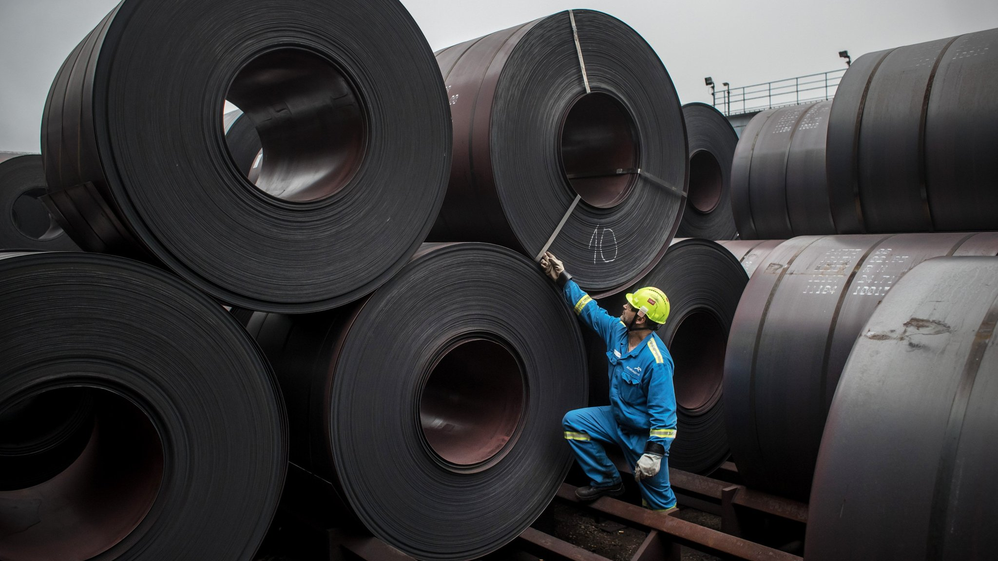 ArcelorMittal cuts back European production after demand