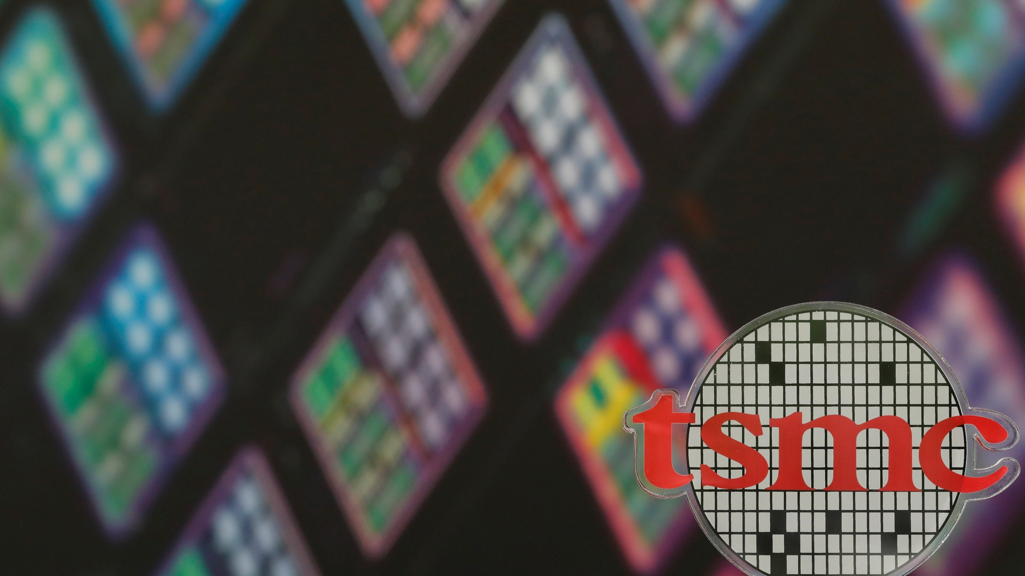 Chipmaker TSMC sales boosted by smartphone demand