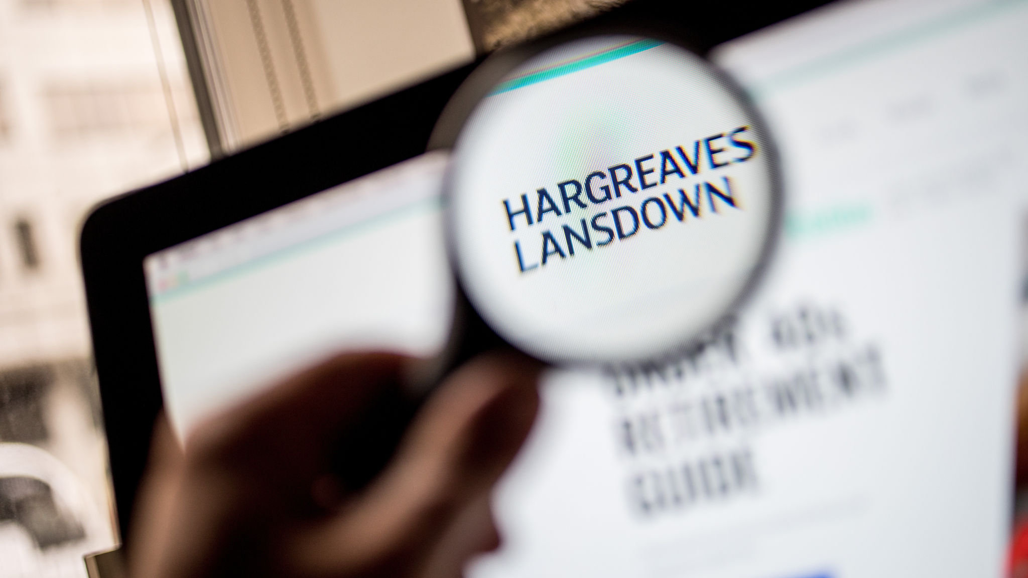 Hargreaves Lansdown shrugs off Woodford trouble