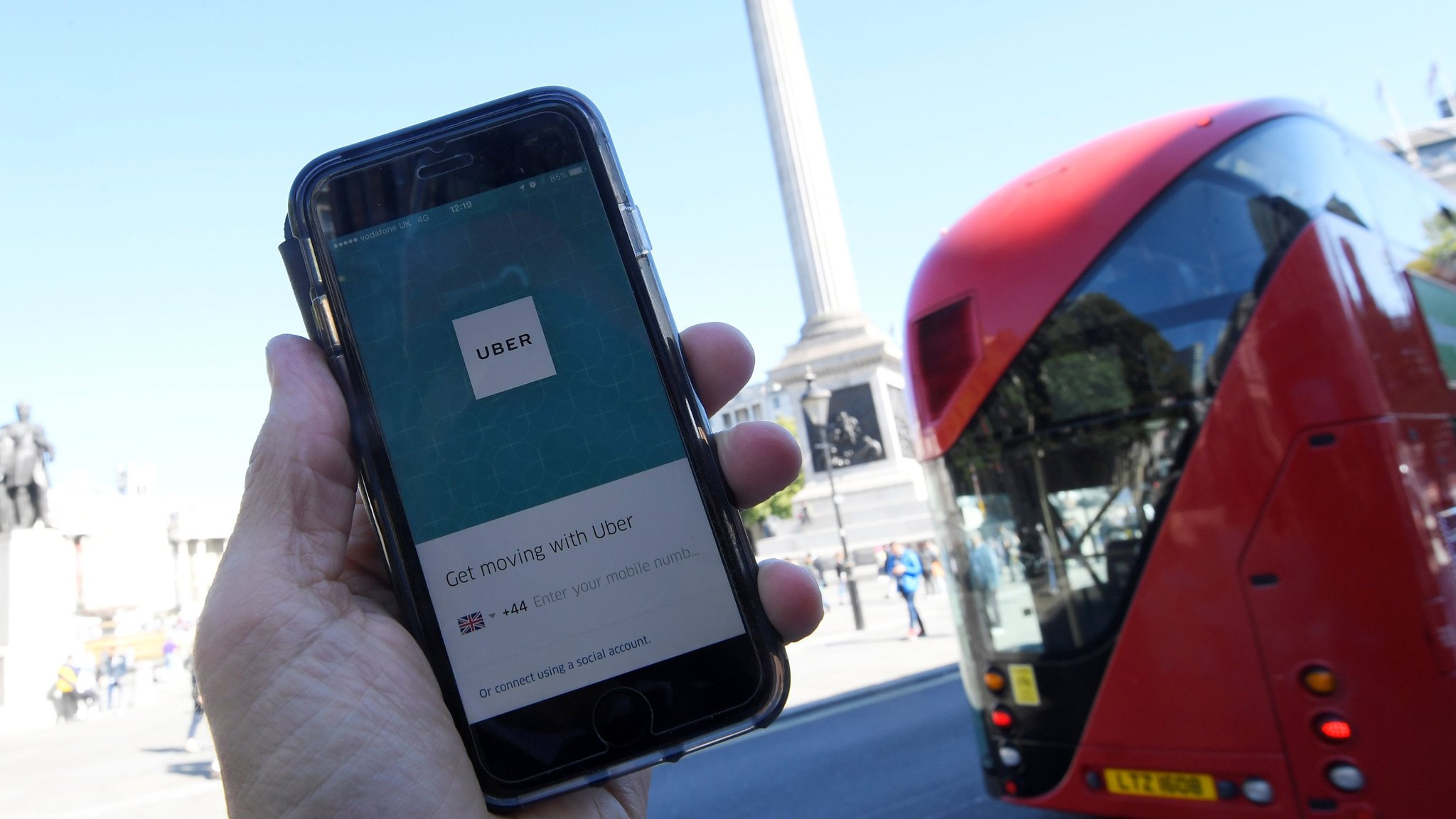 Uber chief to meet TfL official in London for talks on ban