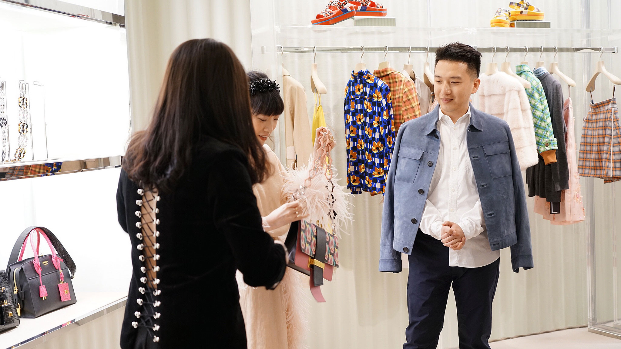 Chinese bloggers bridge the gap between brands and buyers ... aff4bb9fd63a3