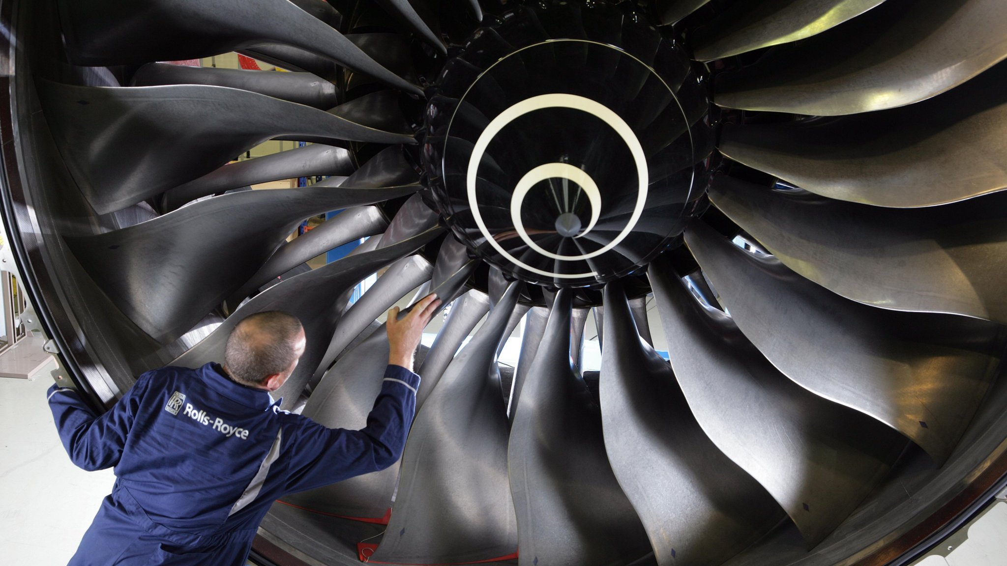 Rolls Royce urged to accelerate cost cuts