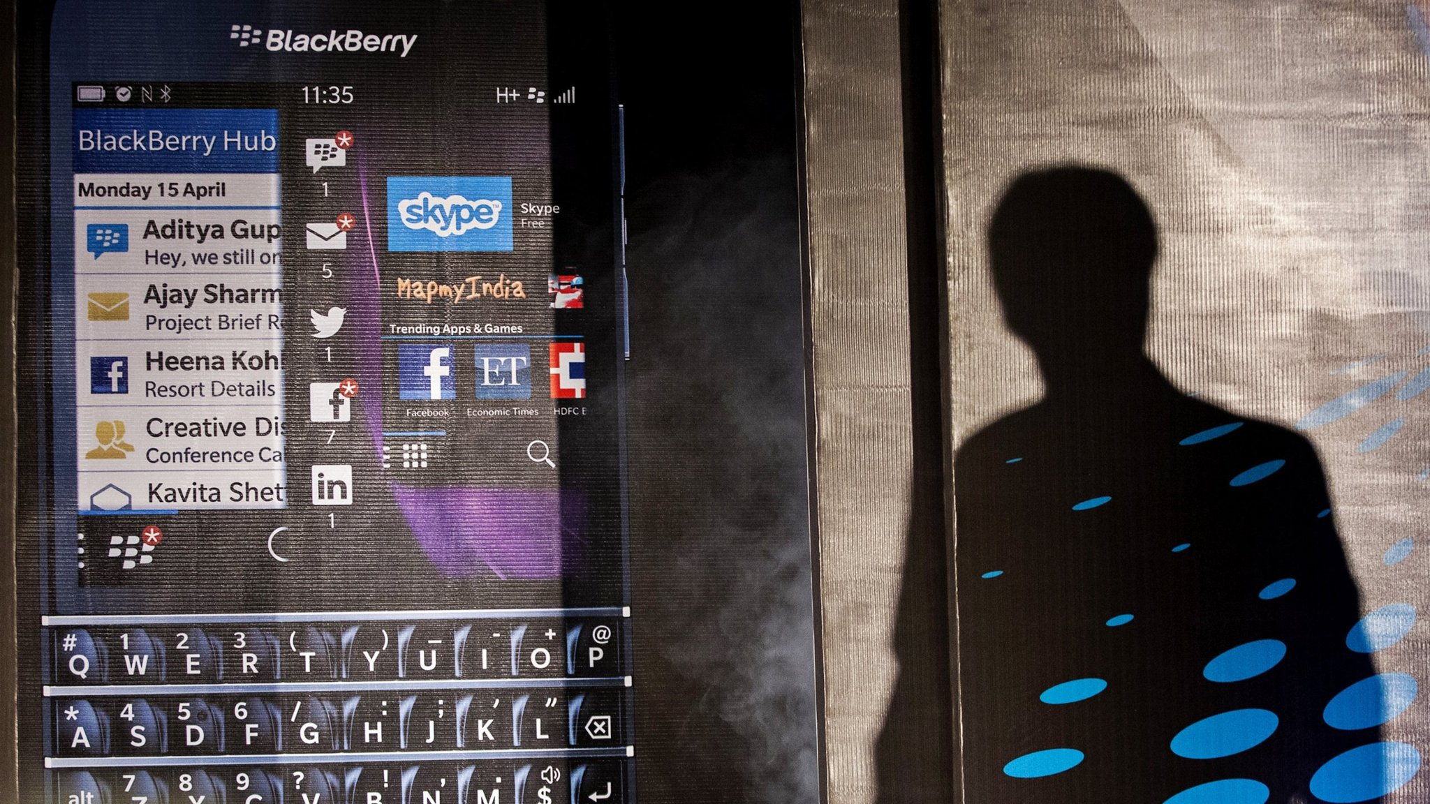 BlackBerry phones face thumbs down | Financial Times