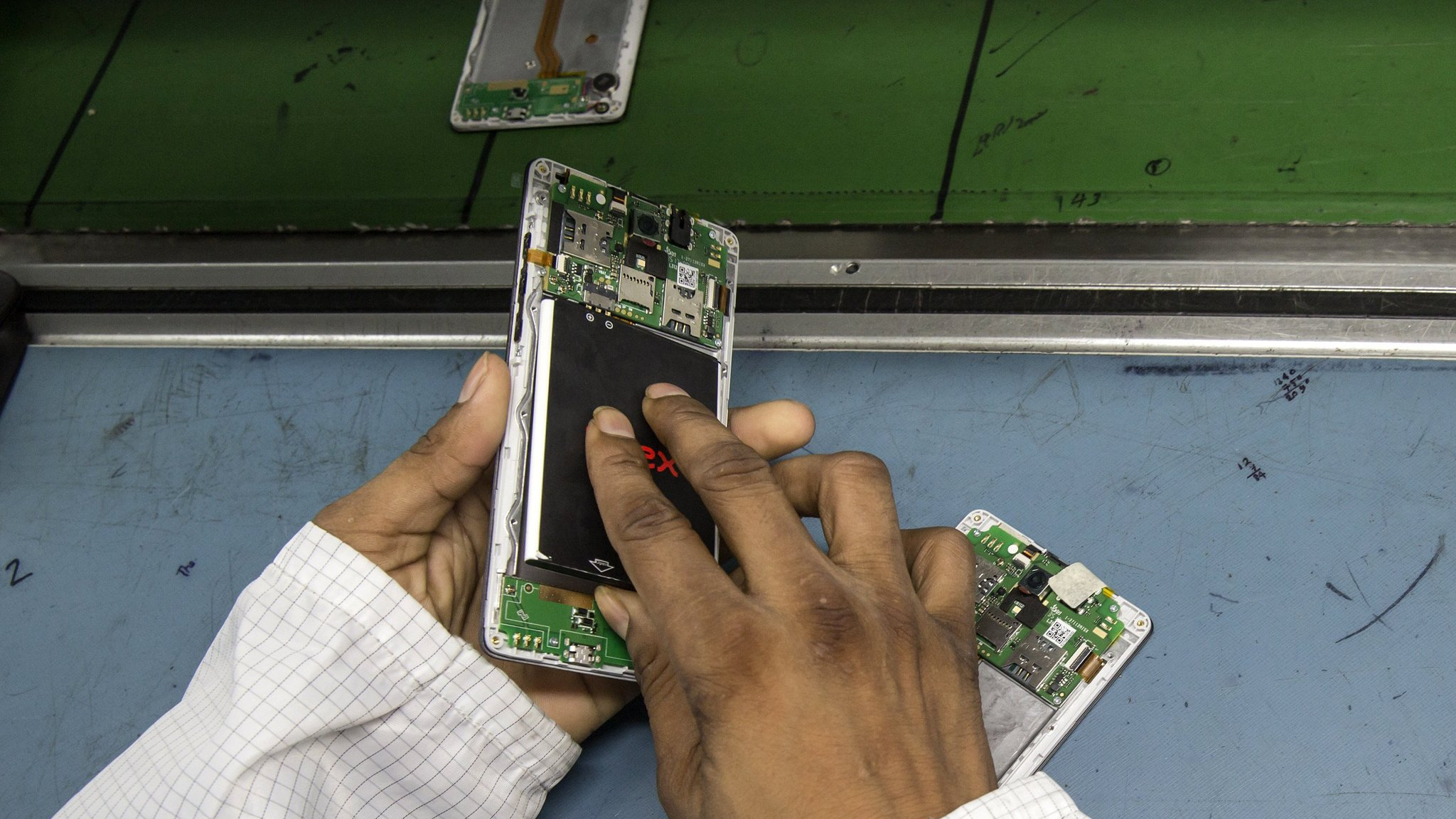 Samsung hails 'graphene ball' battery success | Financial Times