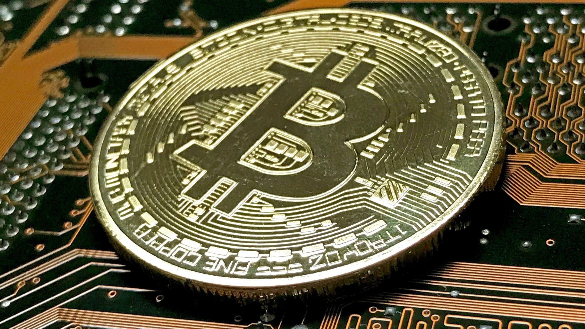 Bitcoin slips as South Korea threatens to shut exchanges