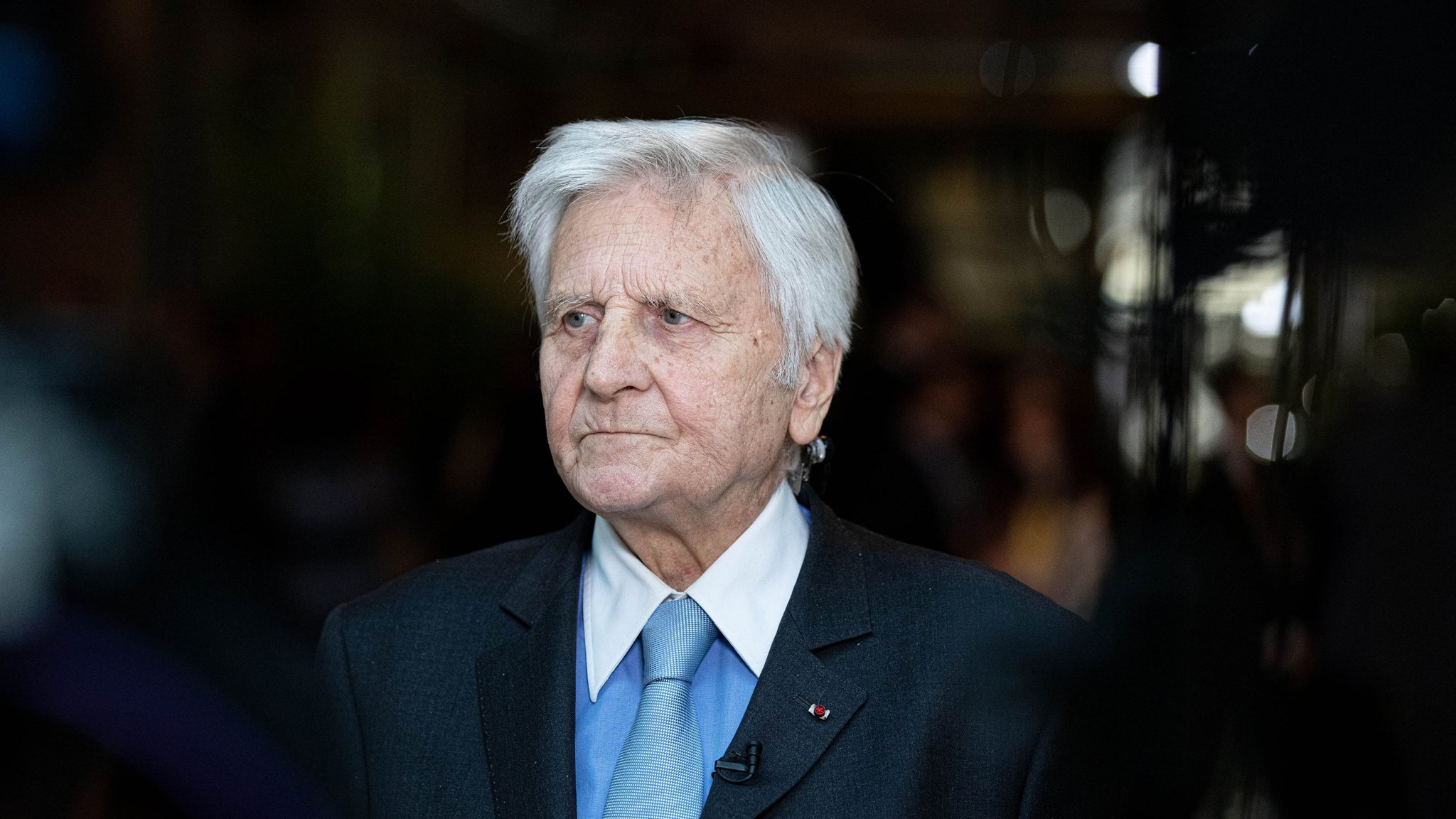 Trichet defends Draghi stance on monetary policy