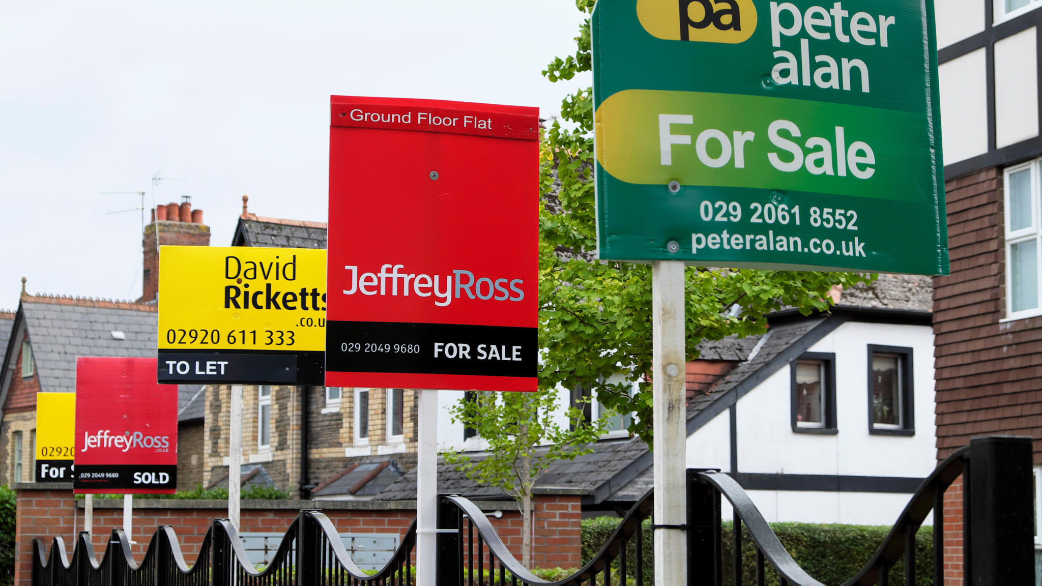 House Prices Forecast To Fall By At Least 5 Under No Deal