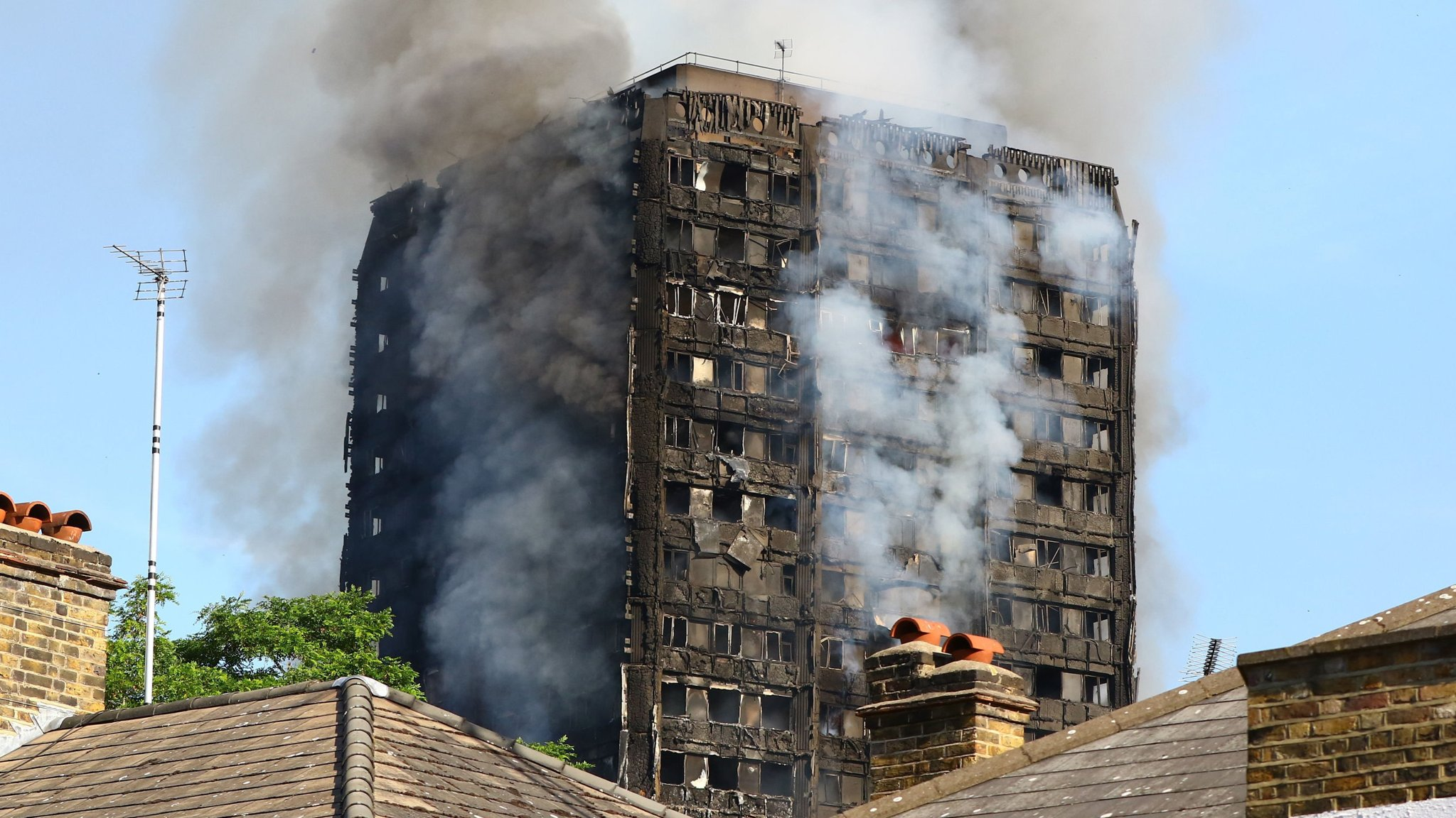 Arconic sale founders as Grenfell liabilities loom